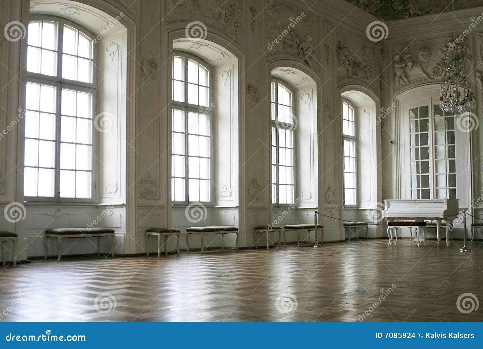 Binnen kasteel