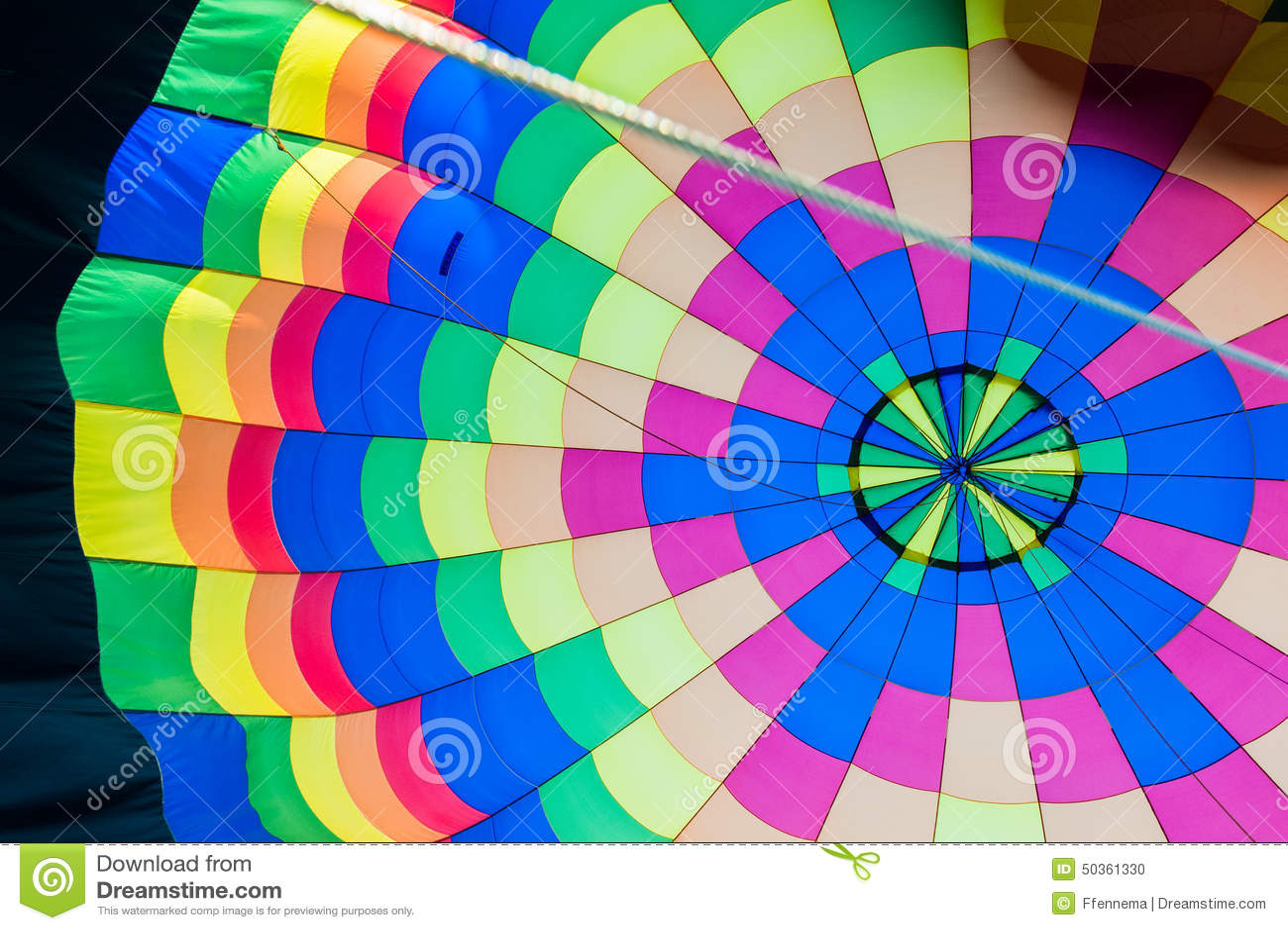 Kleur Veel Kleur : Binnen van een hete luchtballon met veel kleur stock foto