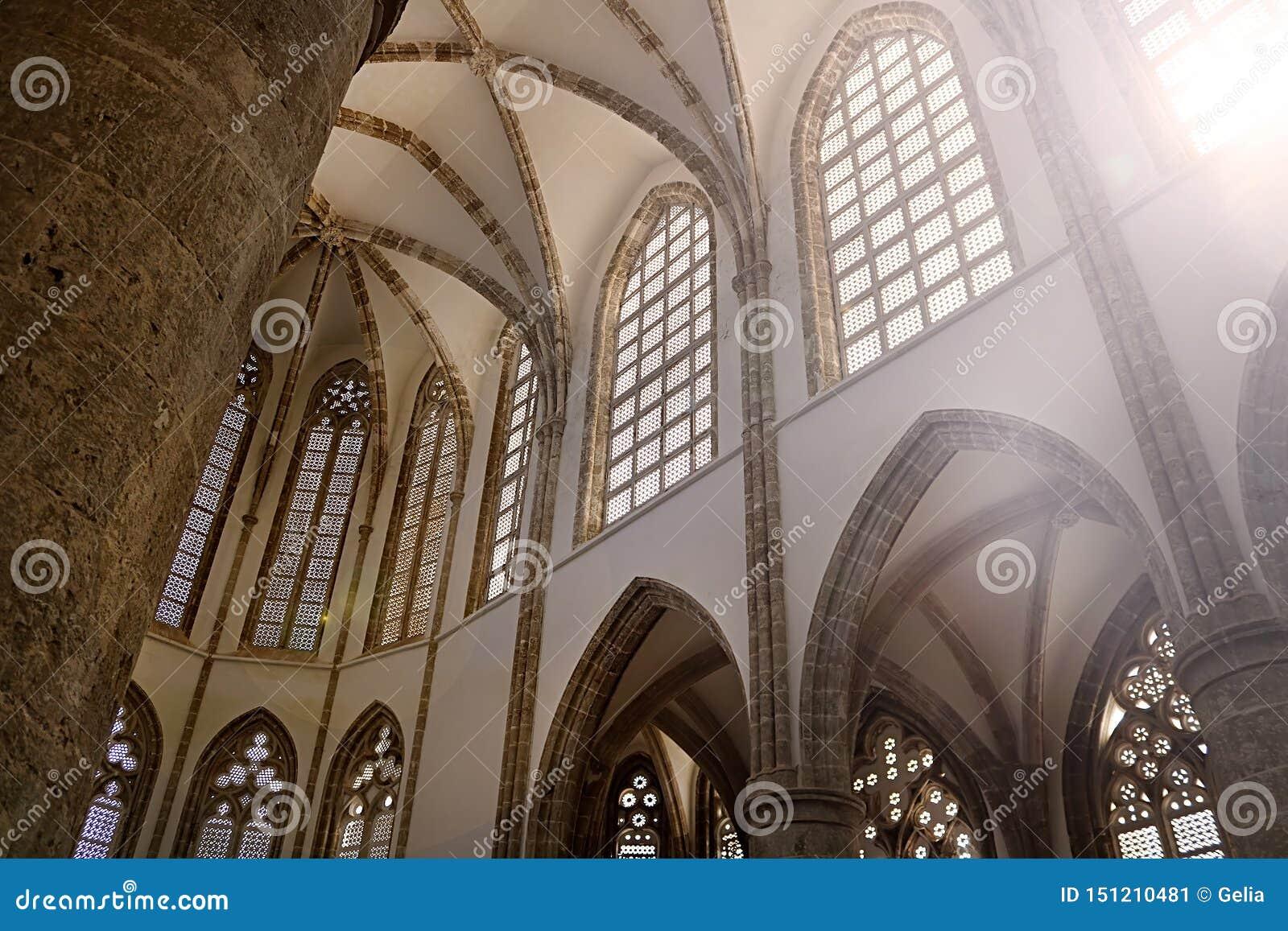 Binnen van Lala Mustafa Pasha Mosque vroeger St Nicholas Cathedral Famagusta, Cyprus