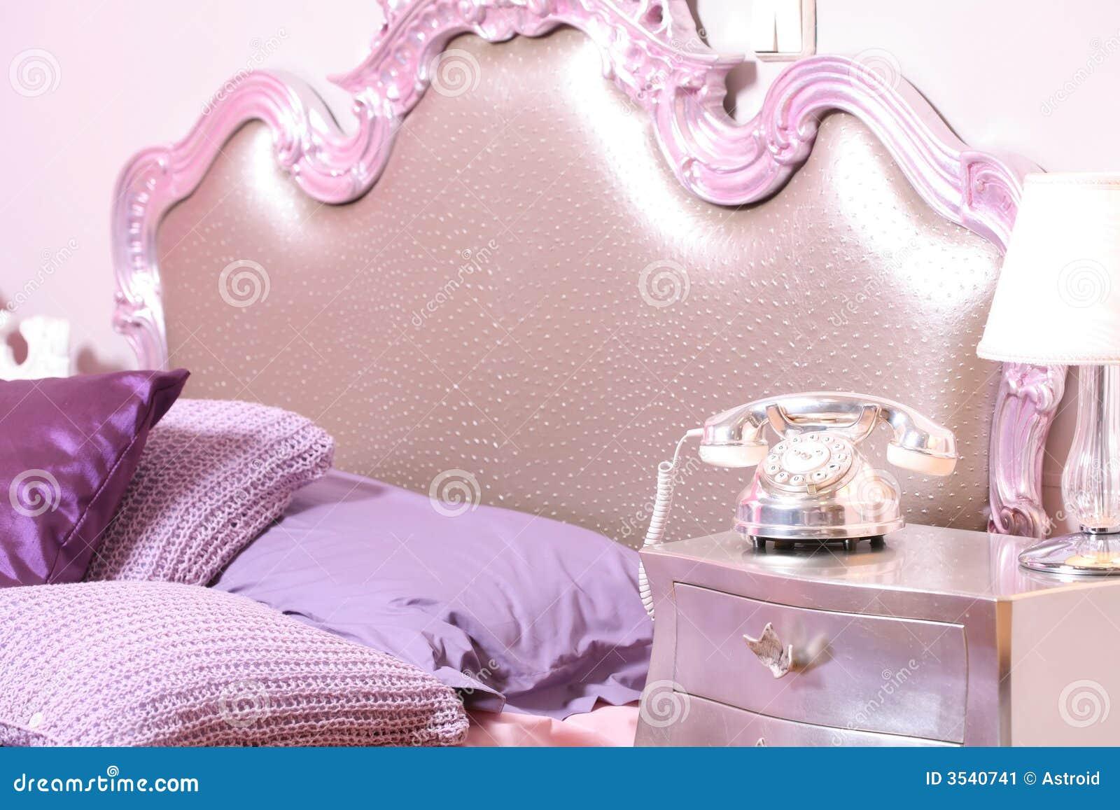 Binnenland Aan Roze Slaapkamer Stock Afbeelding - Afbeelding: 3540741