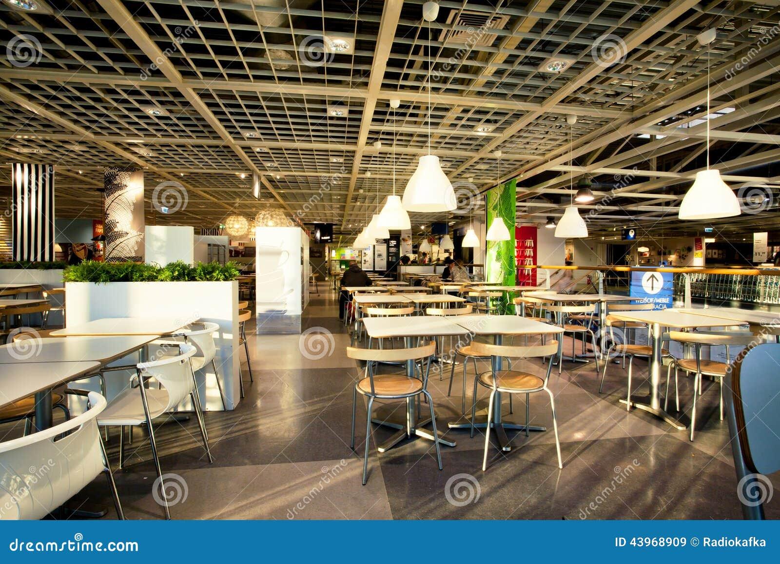 binnenland van de eetkamer in koffie van de reusachtige