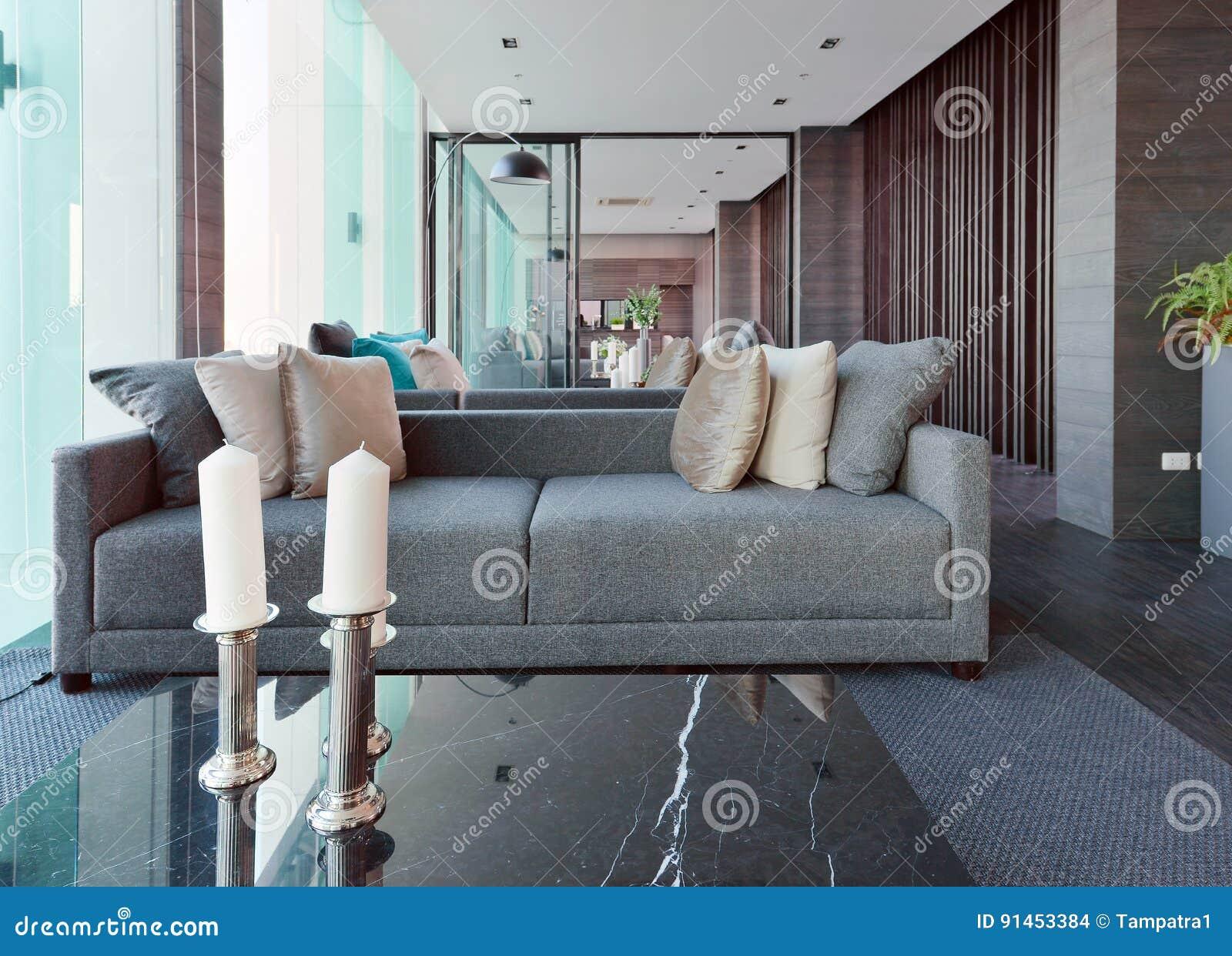 Binnenland van de luxe het moderne woonkamer en decoratie
