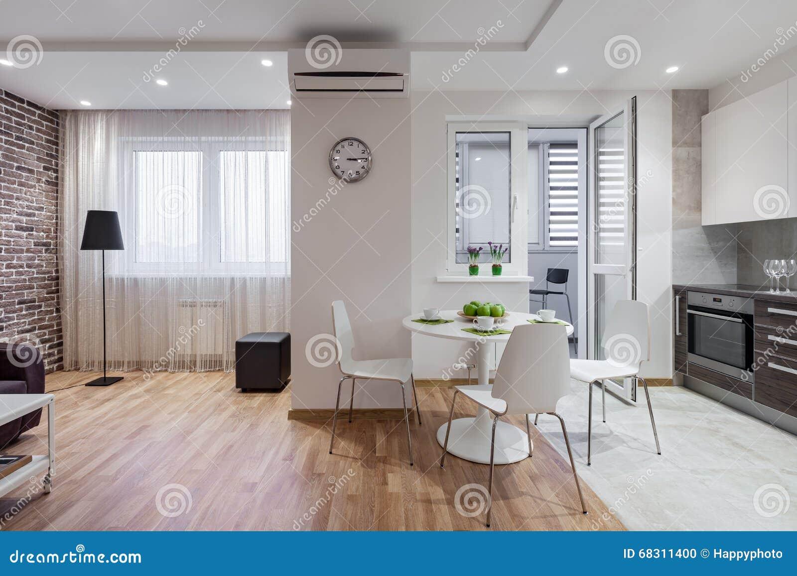 Keuken Interieur Scandinavisch : Binnenland van moderne flat in skandinavische stijl met keuken