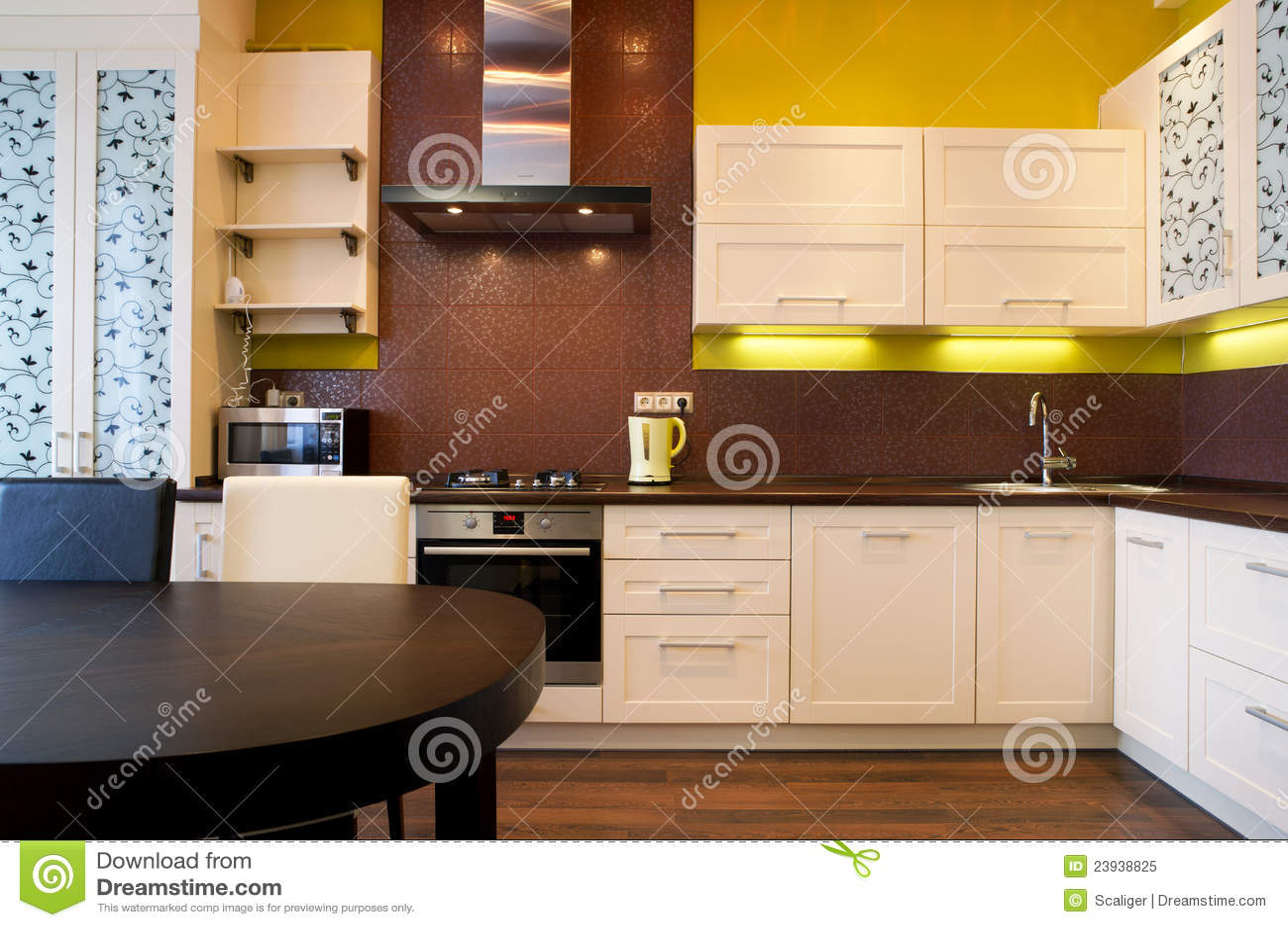 Moderne Keuken Lampen : Binnenland van moderne keuken stock afbeelding afbeelding