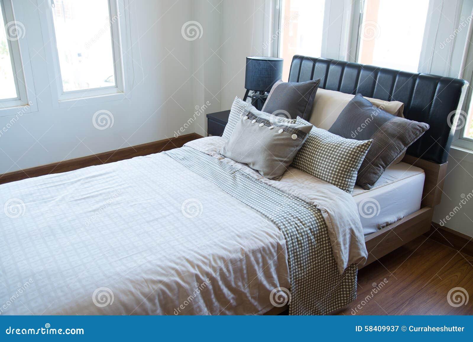 Binnenland van moderne ruimte of bedruimte klassieke luxeslaapkamer