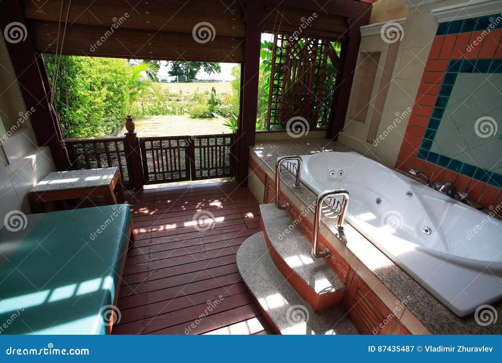 Wc En Badkamers : Kleine badkamer met bad en wc eigen huis en tuin