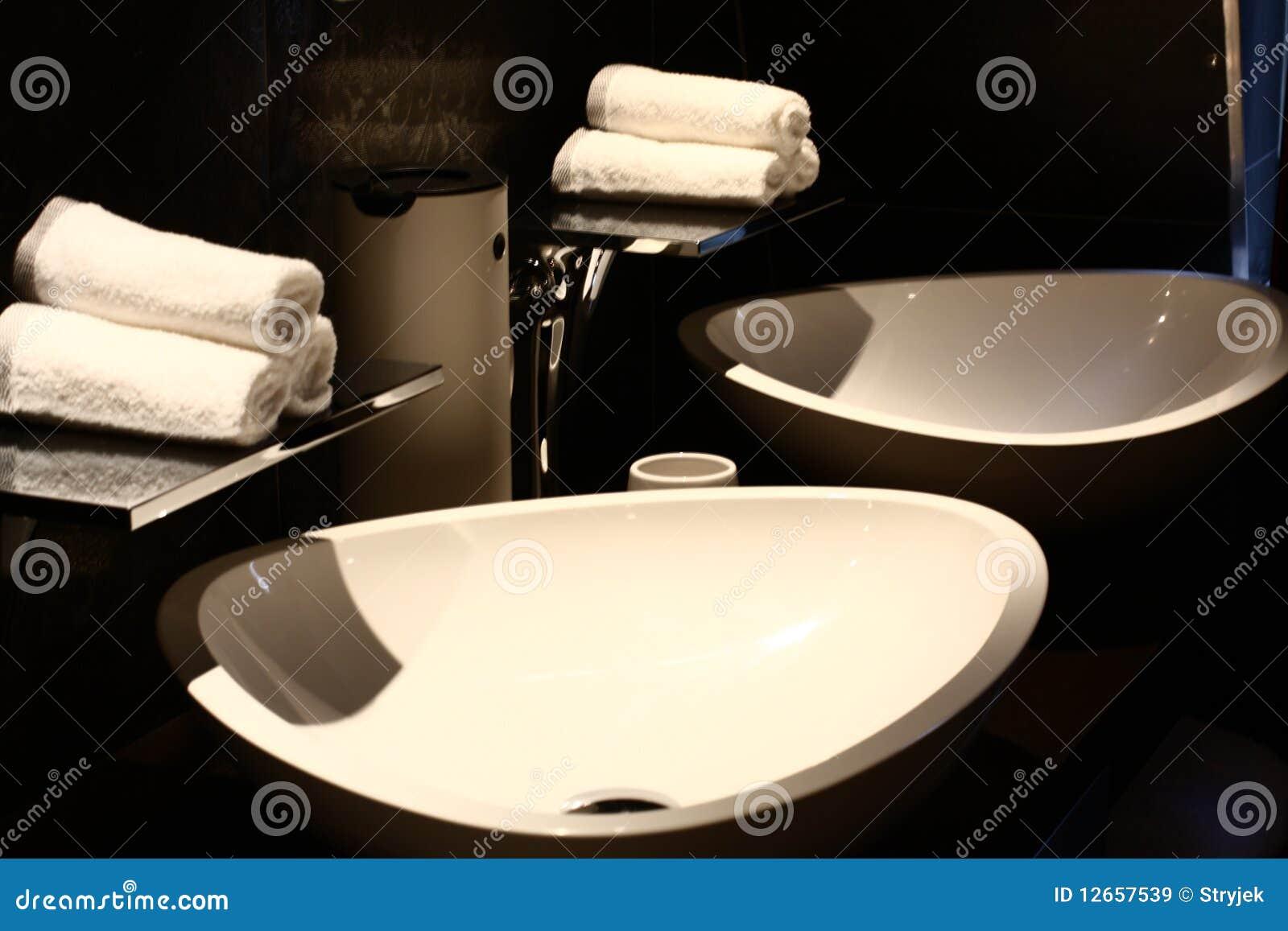 Binnenlands ontwerp van een badkamers stock afbeelding afbeelding 12657539 - Badkuip ontwerp ...