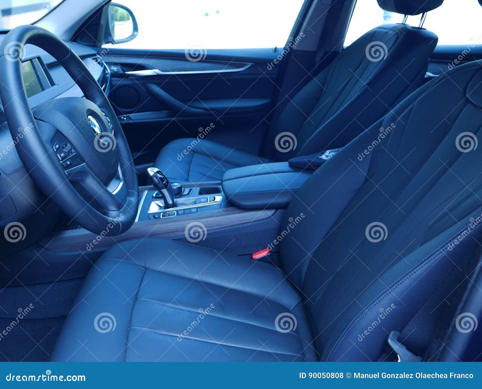 Binnenlandse mening van een nieuwe Aandrijving 3 van BMW X5 5i, Lima