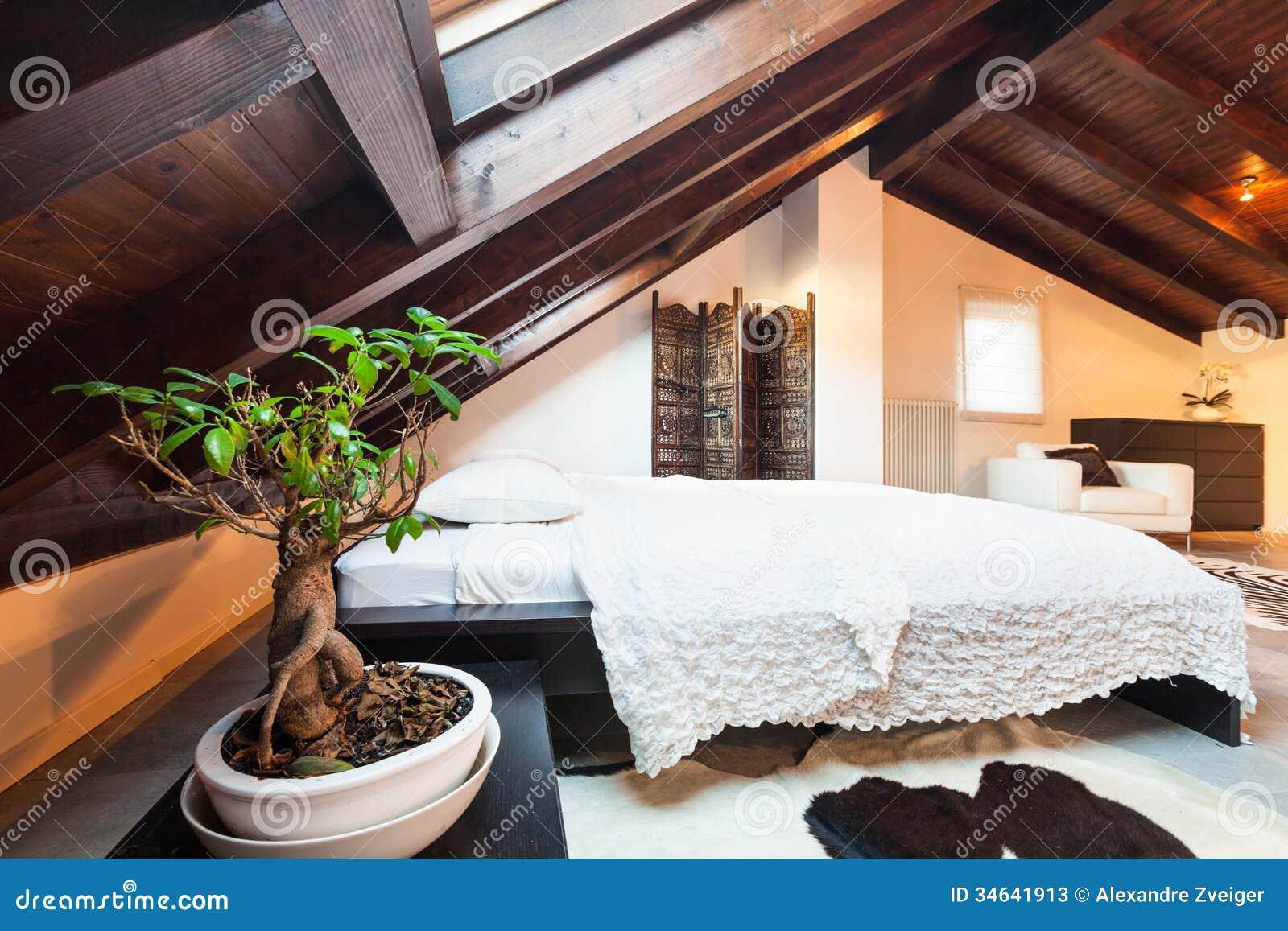 Binnenlandse mooie zolder stock foto 39 s beeld 34641913 for 3d planner zolder