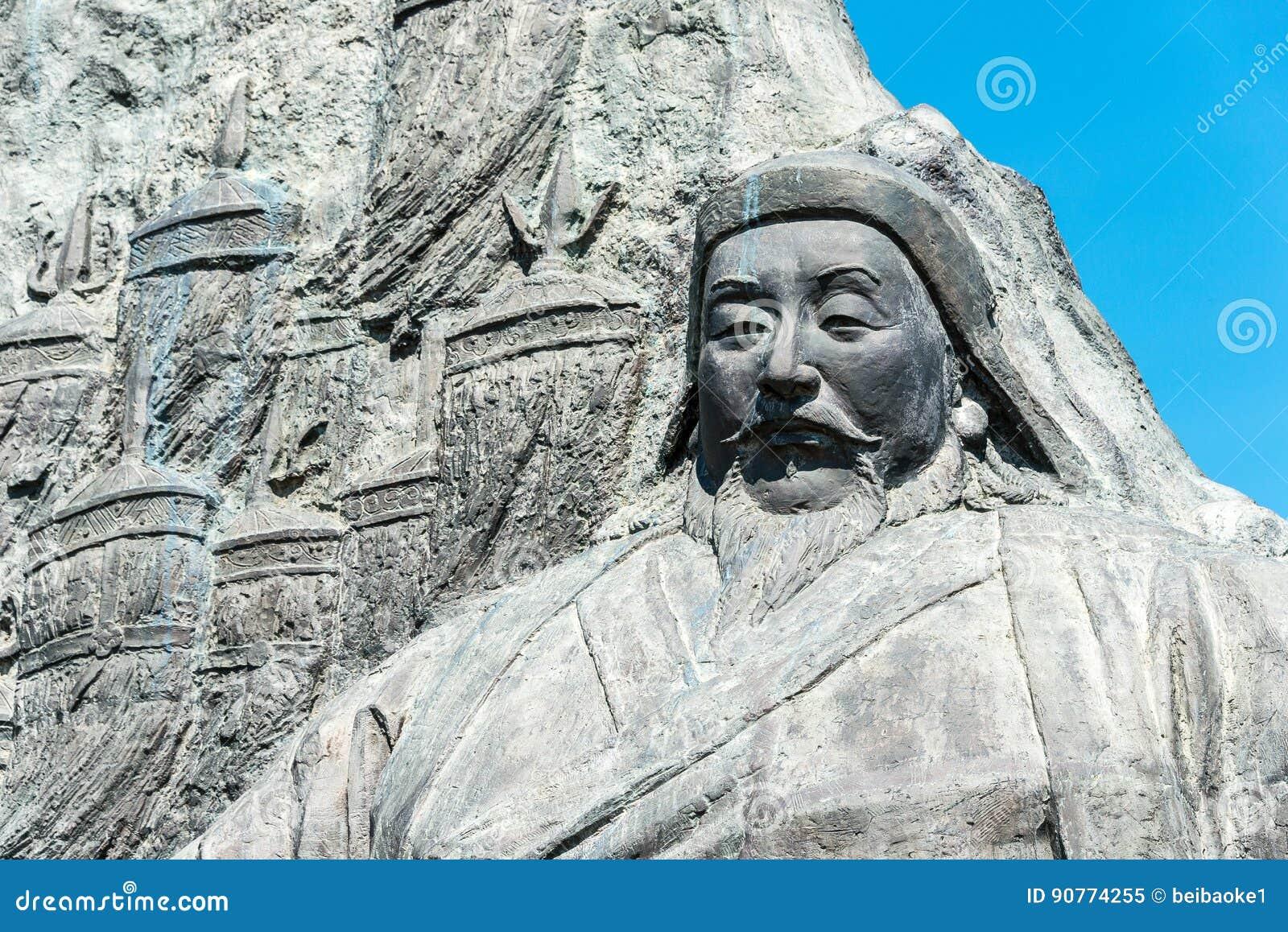 BINNENmongolië, CHINA - 10 Augustus 2015: Kublai Khan Statue bij Plaats