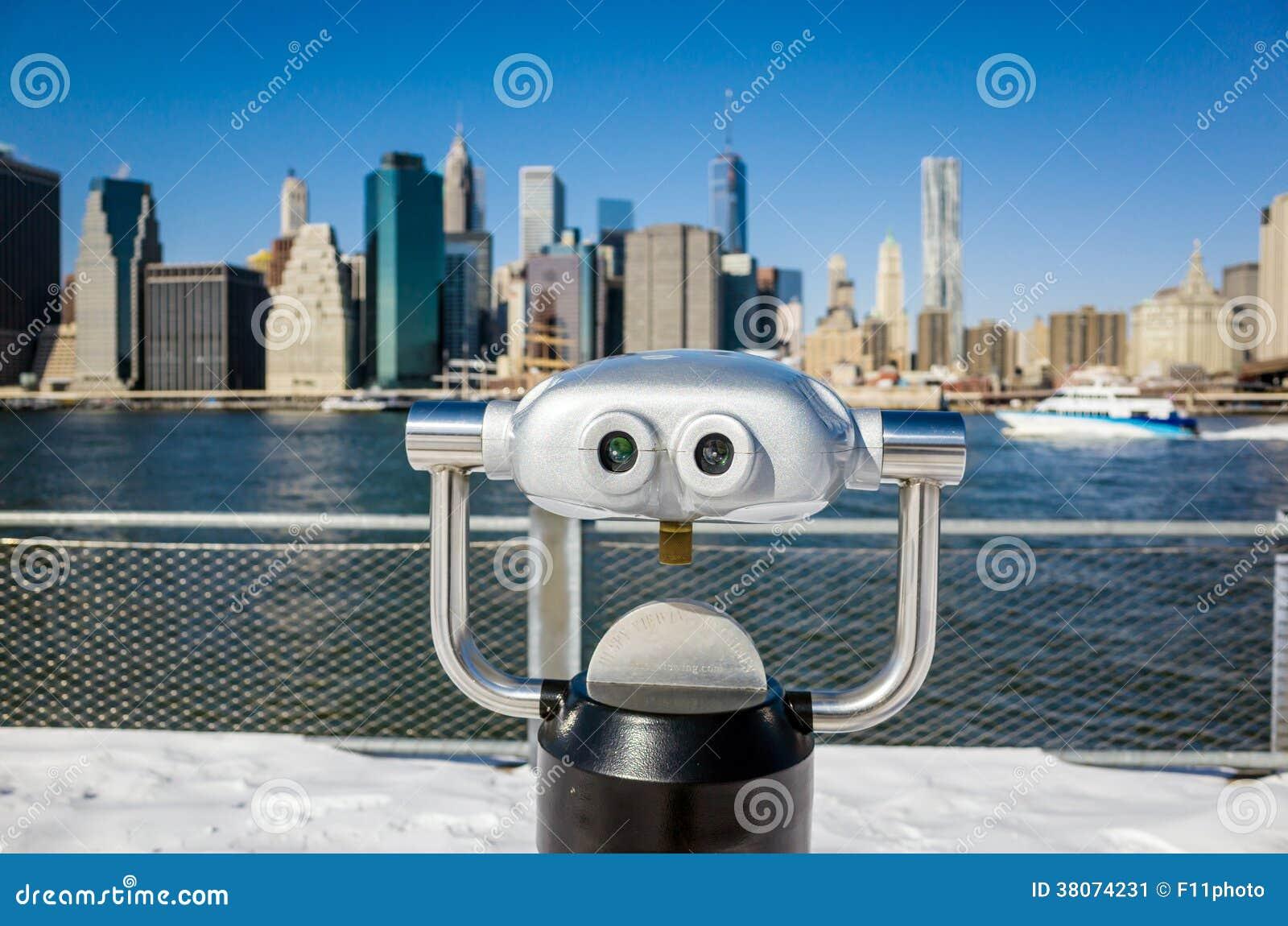 Binoculair in de mening van het de Brugpark van Brooklyn van de stad van New York