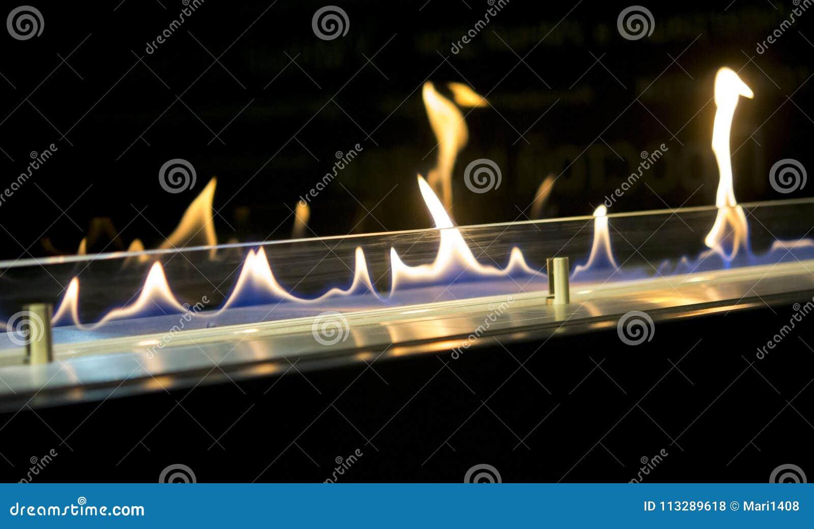 Bio- camino moderno del fireplot sul gas dell etanolo