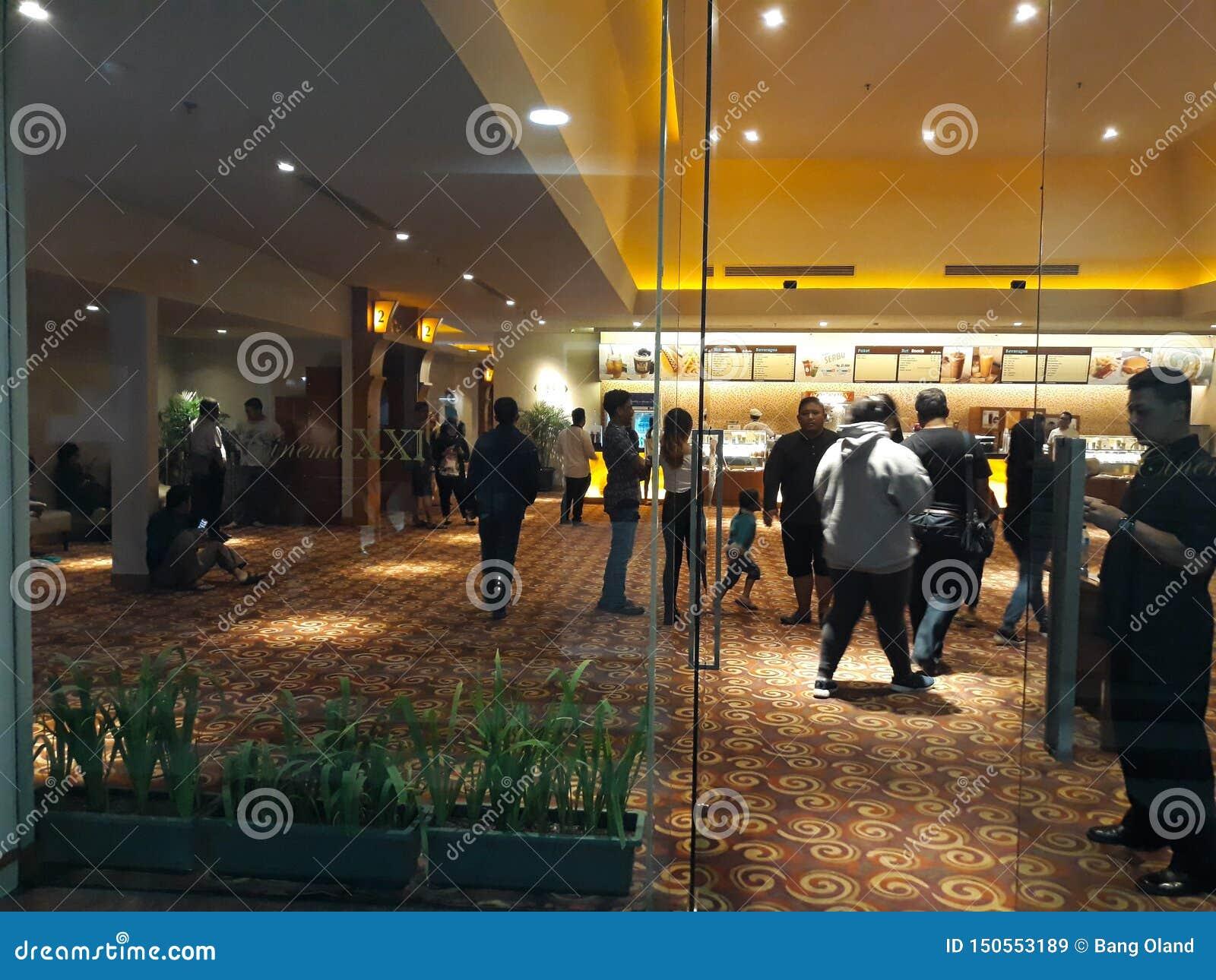 Bio XXI inom en shoppinggalleria 21 bior ?r den andra - st?rsta biokedjan i Indonesien