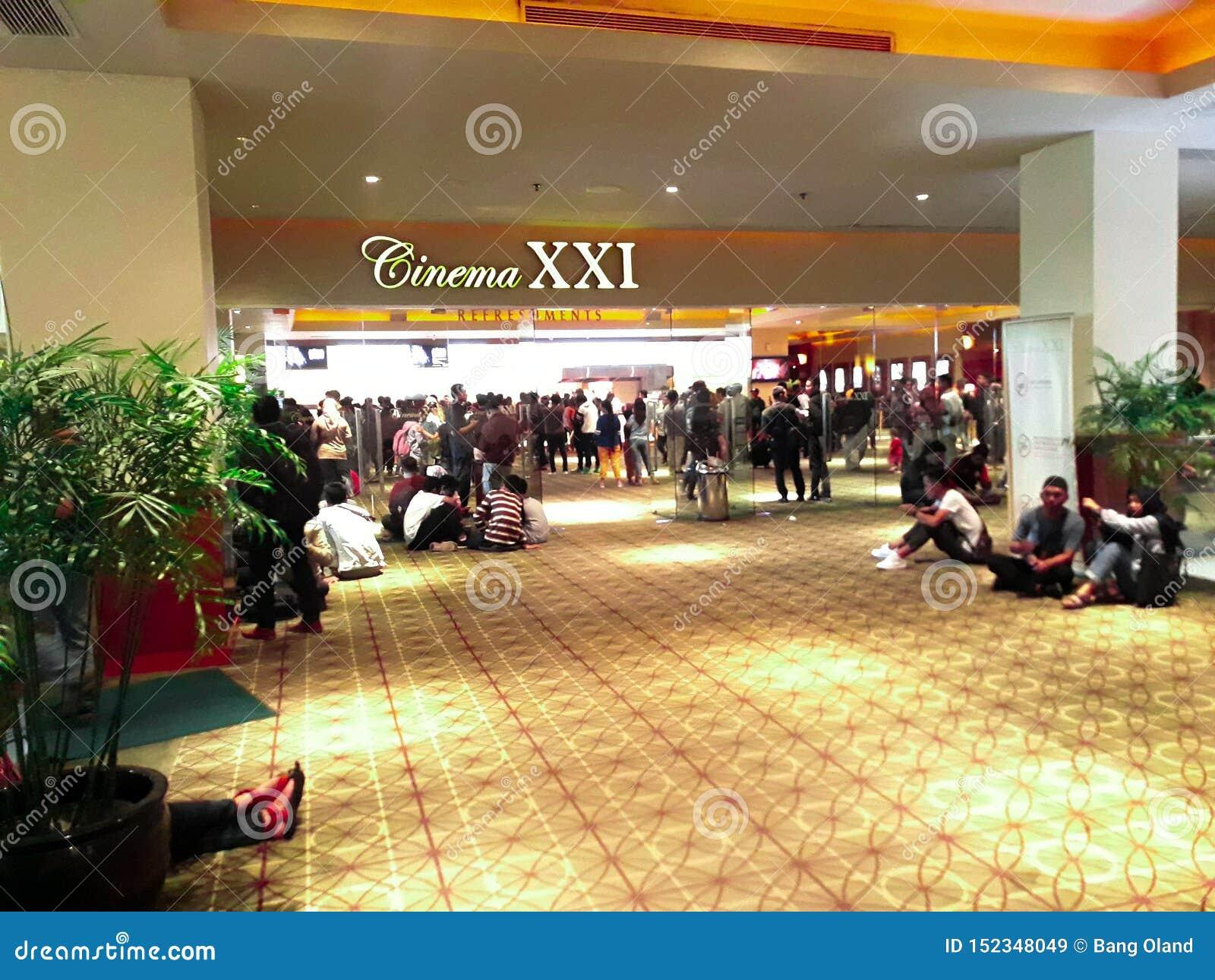 Bio XXI inom en shoppinggalleria XXI ?r bior den st?rsta biokedjan i Indonesien