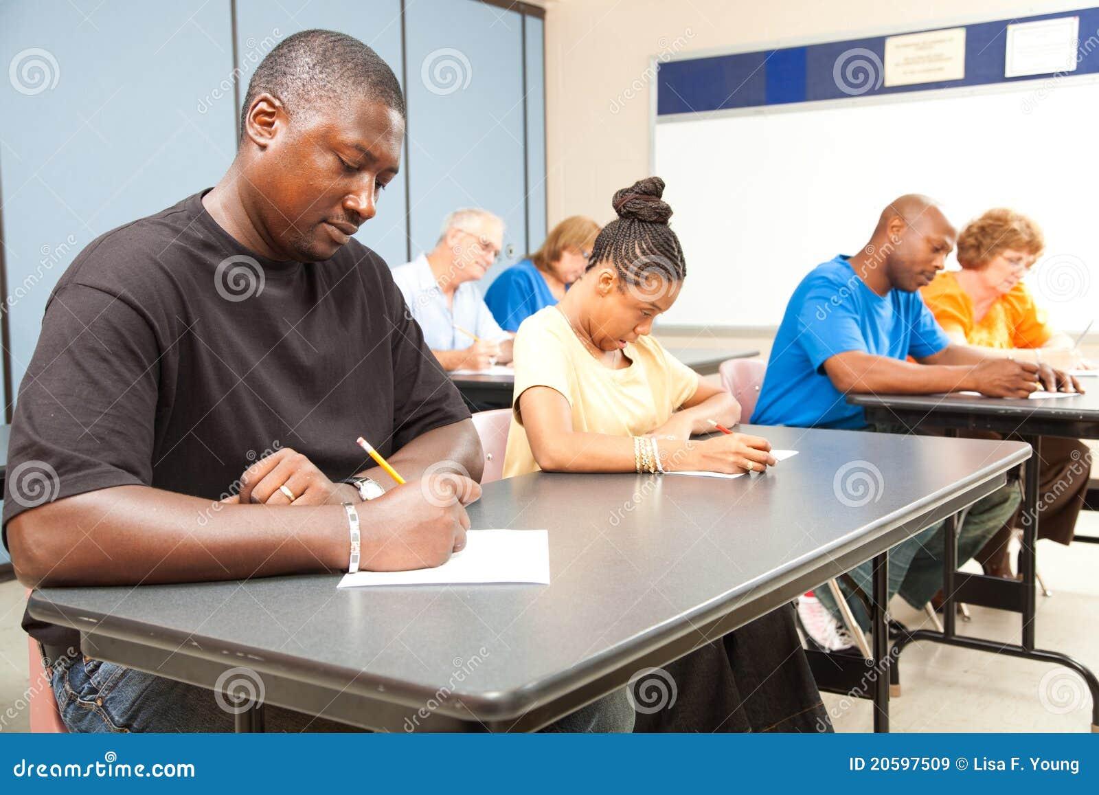 Biorą test dorosli ucznie