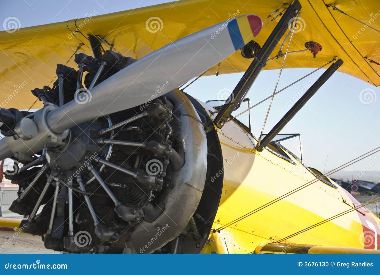 Download Biplano fotografia stock. Immagine di retro, aeroplani - 3676130