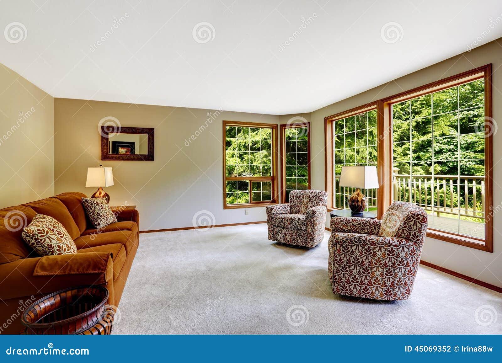 Download Birght Wohnzimmer Mit Großer Fenstertür Stockfoto   Bild Von  Französisch, Versorgt: 45069352