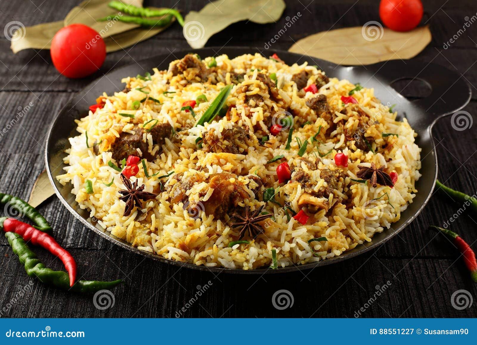 Biriyani da carne de carneiro da culinária indiana autêntica