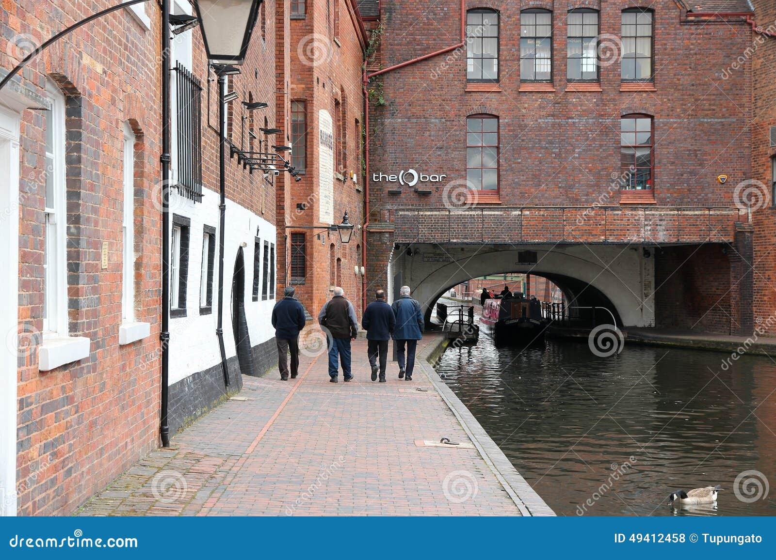 Download Birmingham-Kanal redaktionelles stockfoto. Bild von gebäude - 49412458