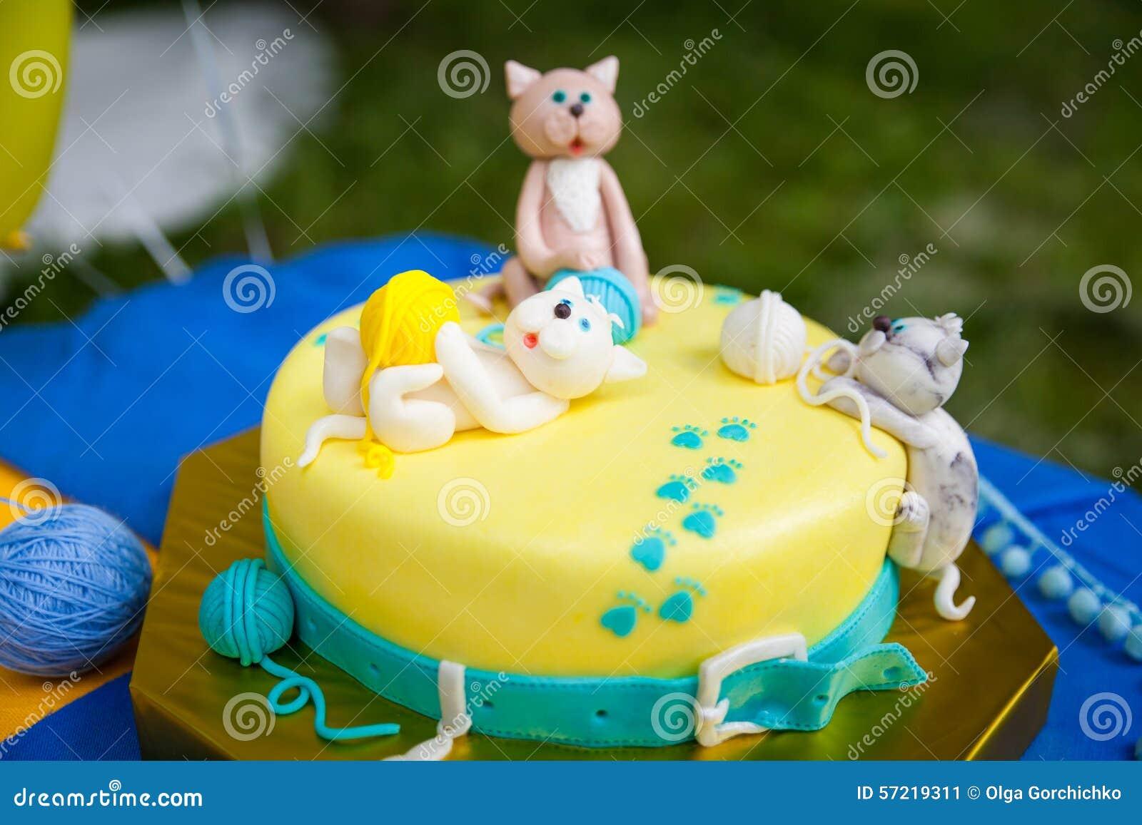 Birthday Cake With Kittens And Yarn Balls Stock Image