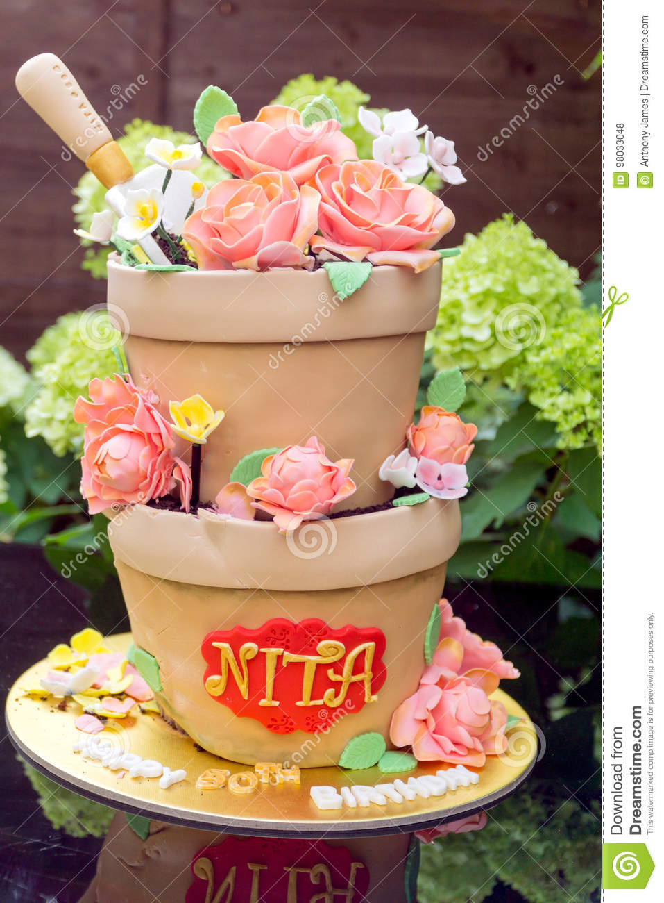 Super Birthday Cake Made To Look Like Flower Pots Stock Photo Image Of Funny Birthday Cards Online Alyptdamsfinfo