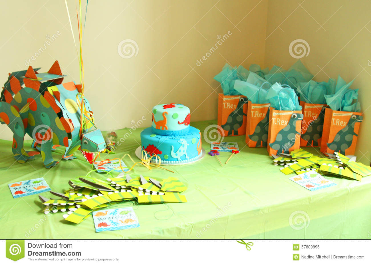 Birthday Decorations With Dinosaurs