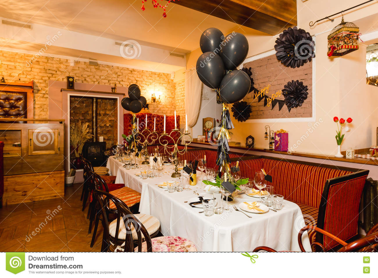 Birthday Guests Table Setting With Fresh Flowers In Black And Gold ...