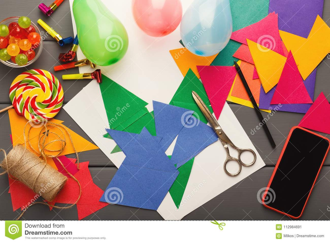 DIY holiday background, birthday party decorations