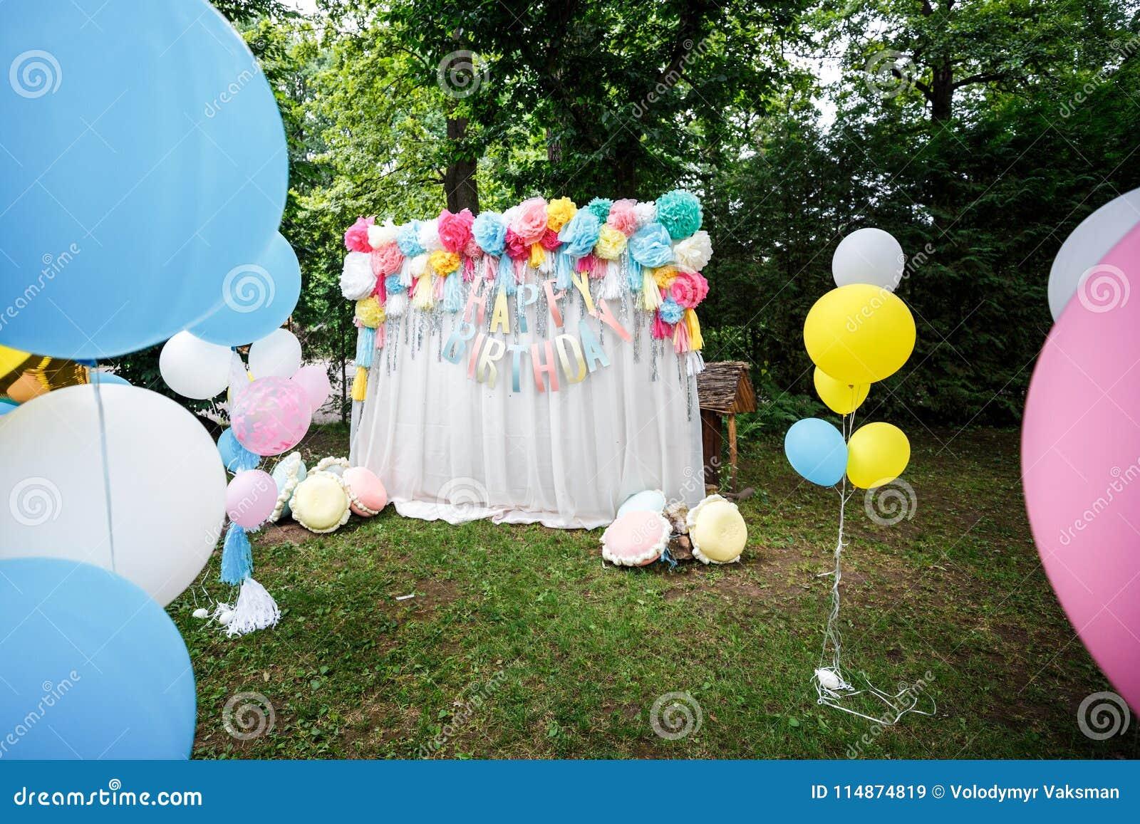 Birthday party decor balloons