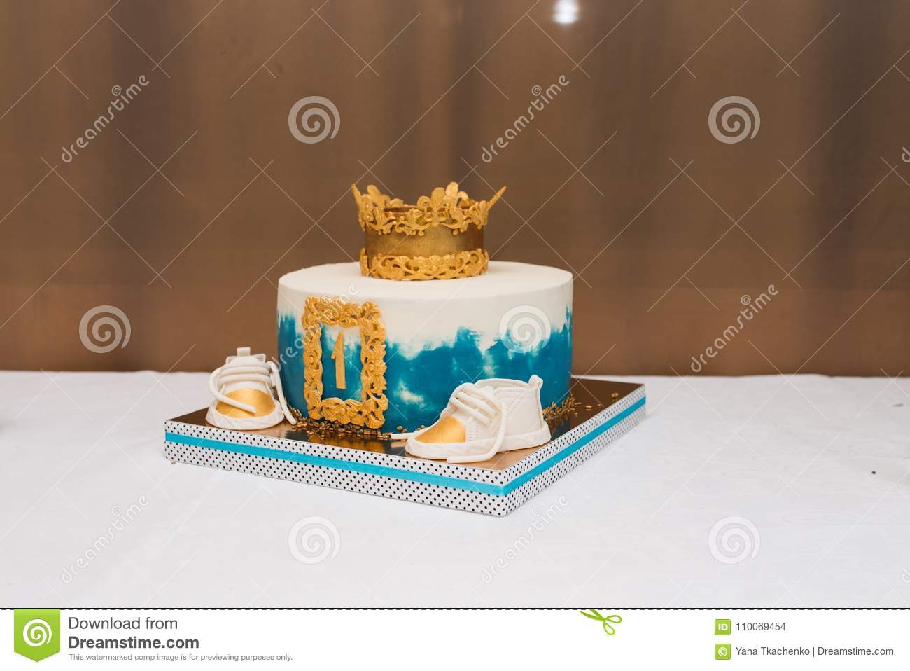 Awe Inspiring Birthday White And Blue Cake For 1 Year Old Boy Birthday Cake For Funny Birthday Cards Online Fluifree Goldxyz