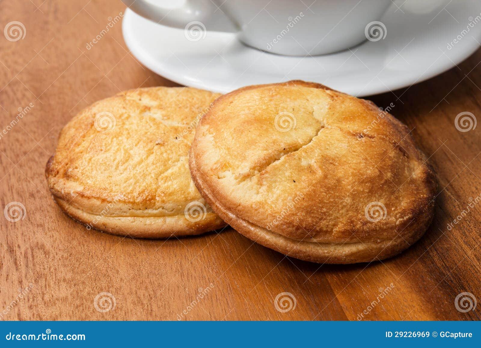 Download Biscoitos Do Requeijão Com Copo Do Cappuchino Imagem de Stock - Imagem de isolado, ninguém: 29226969