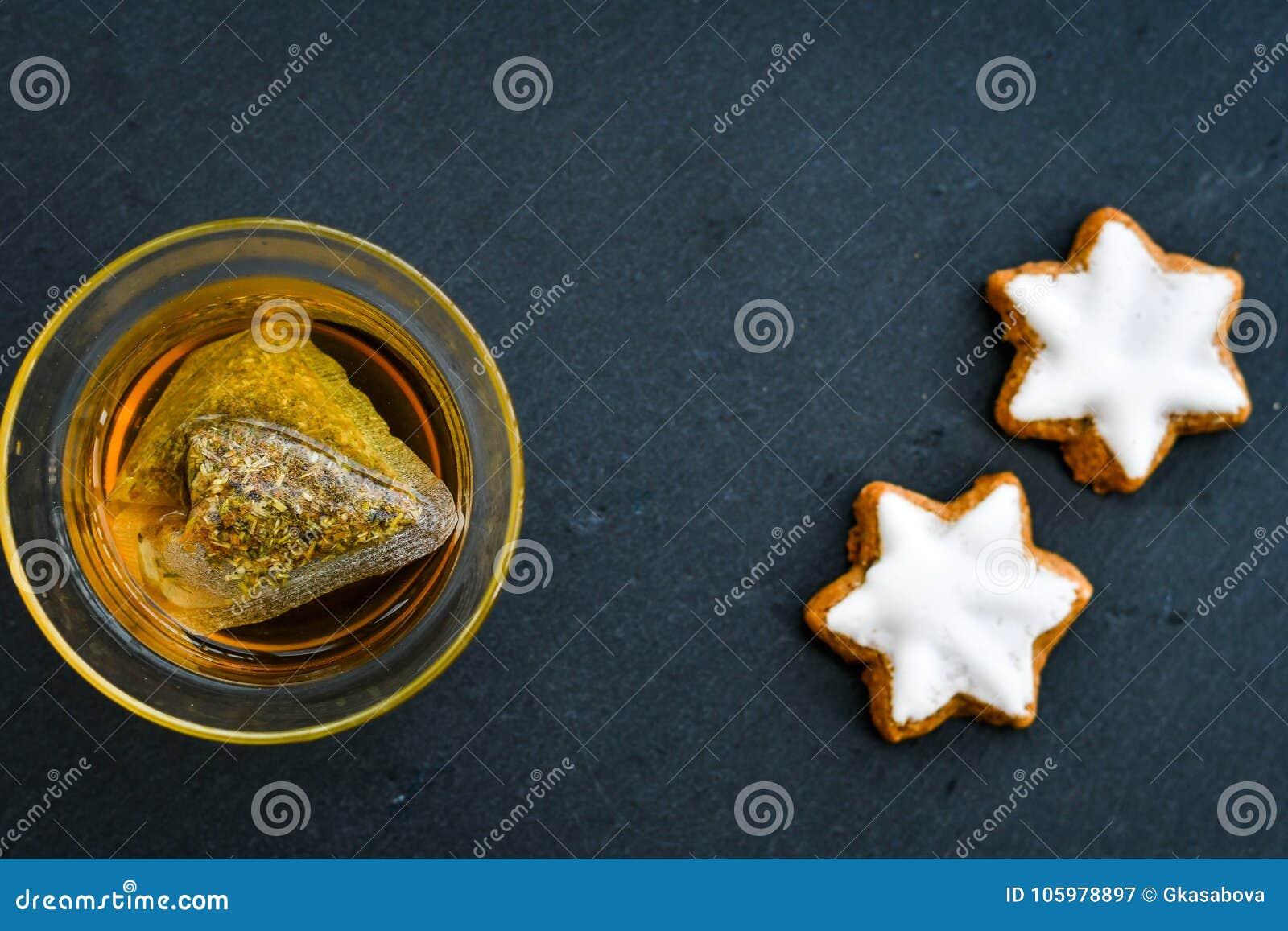 Biscoitos e chá