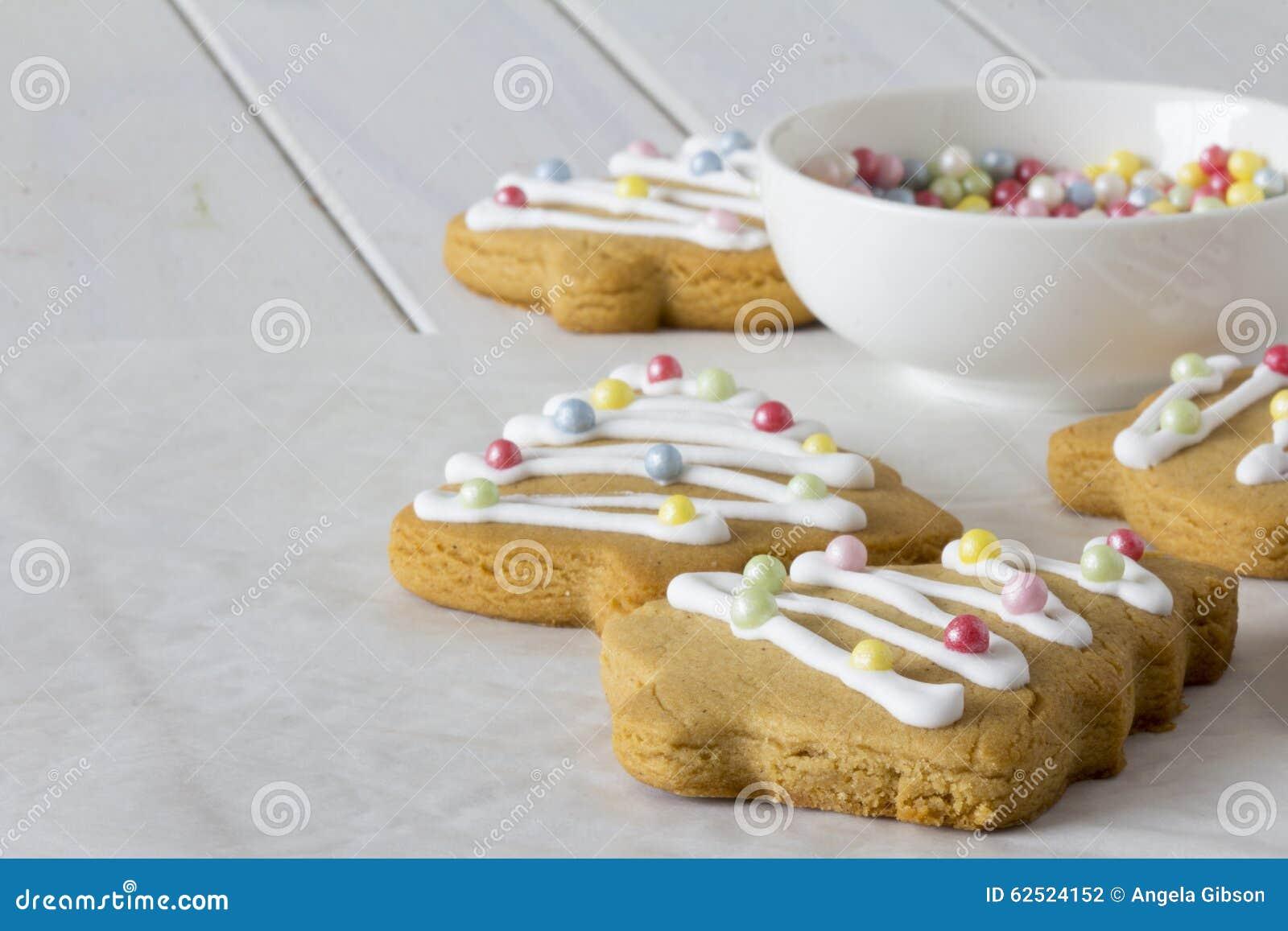 Biscotti Decorati Per Albero Di Natale.Biscotti Decorati Dell Albero Di Natale Fotografia Stock Immagine