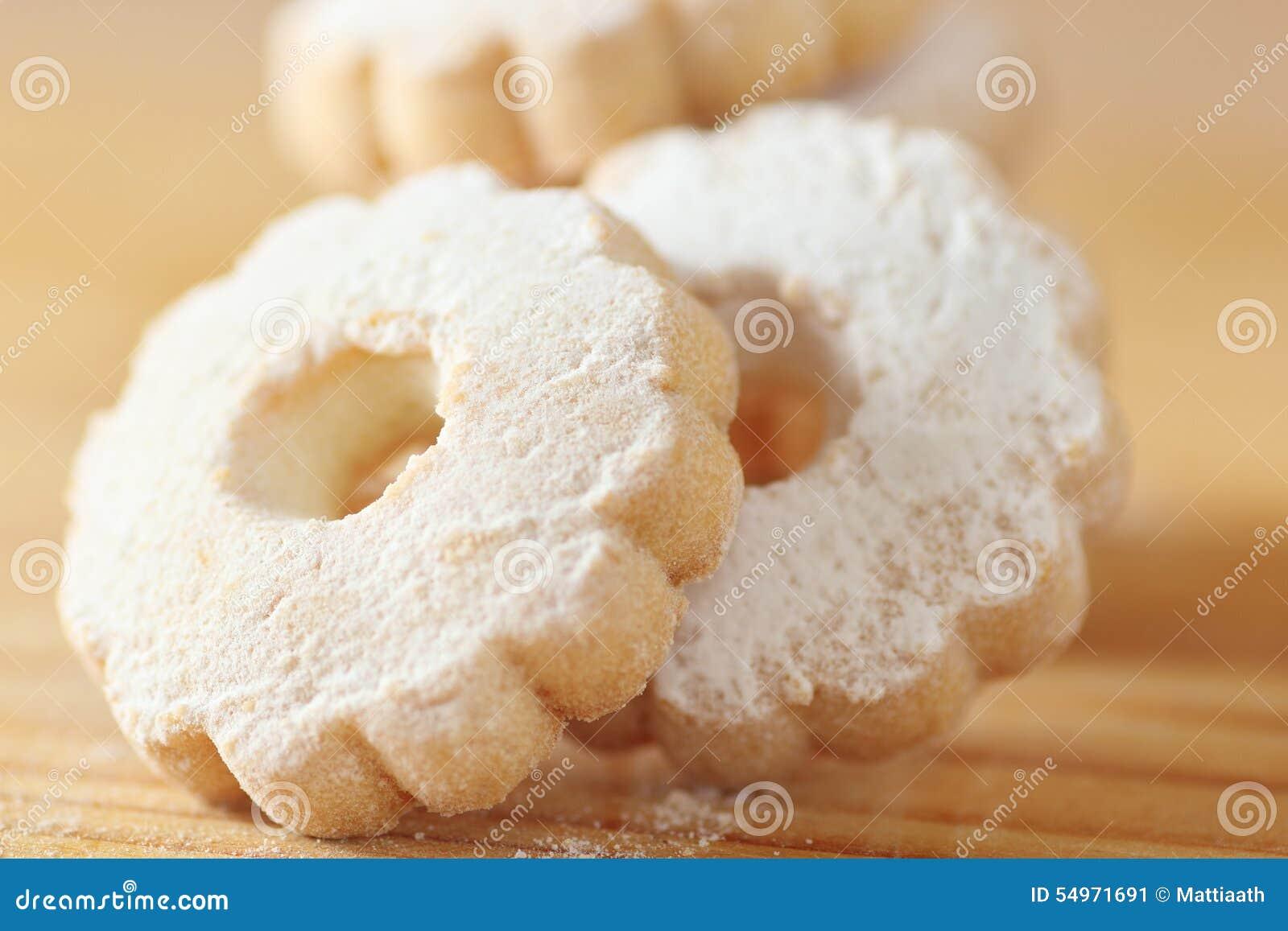 Biscotti di Canestrelli dell italiano spruzzati con lo zucchero a velo