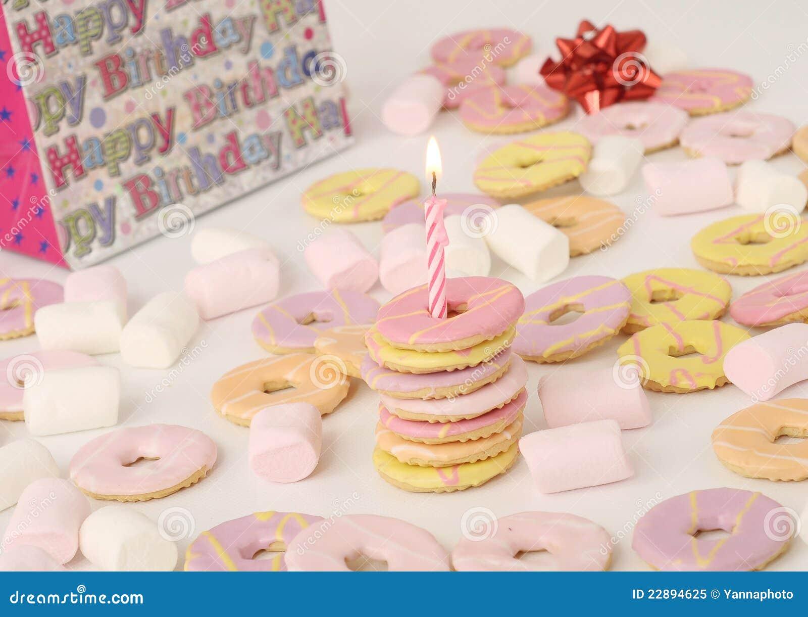 Biscotti Di Compleanno Con La Candela Immagine Stock Immagine Di
