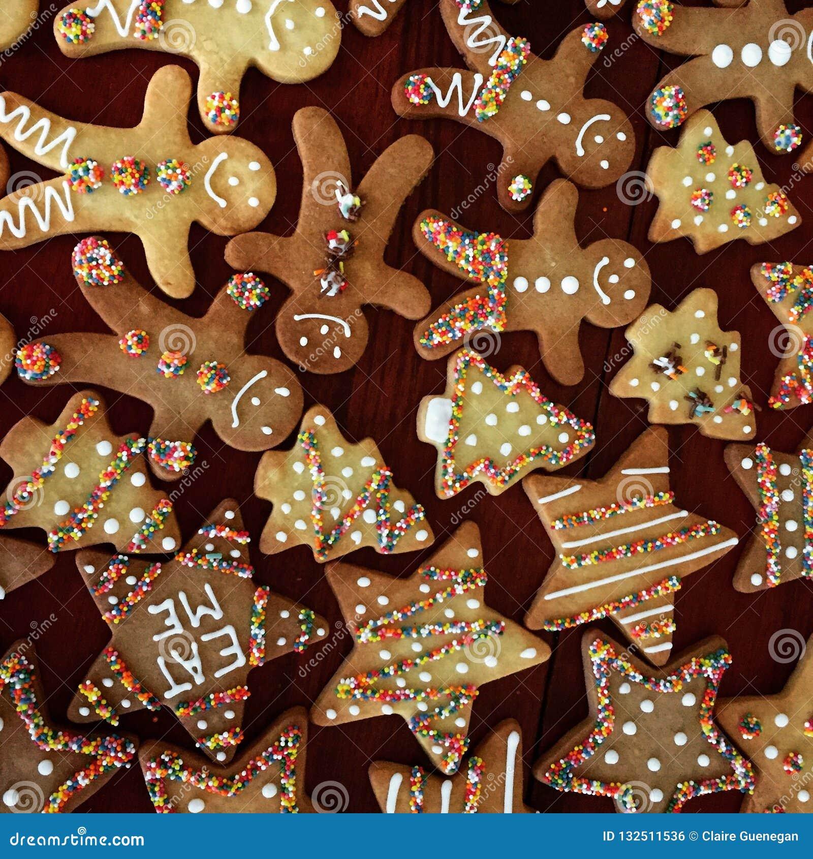 Biscotti Di Natale X Bambini.Biscotti Di Natale Decorati Per I Bambini Fotografia Stock