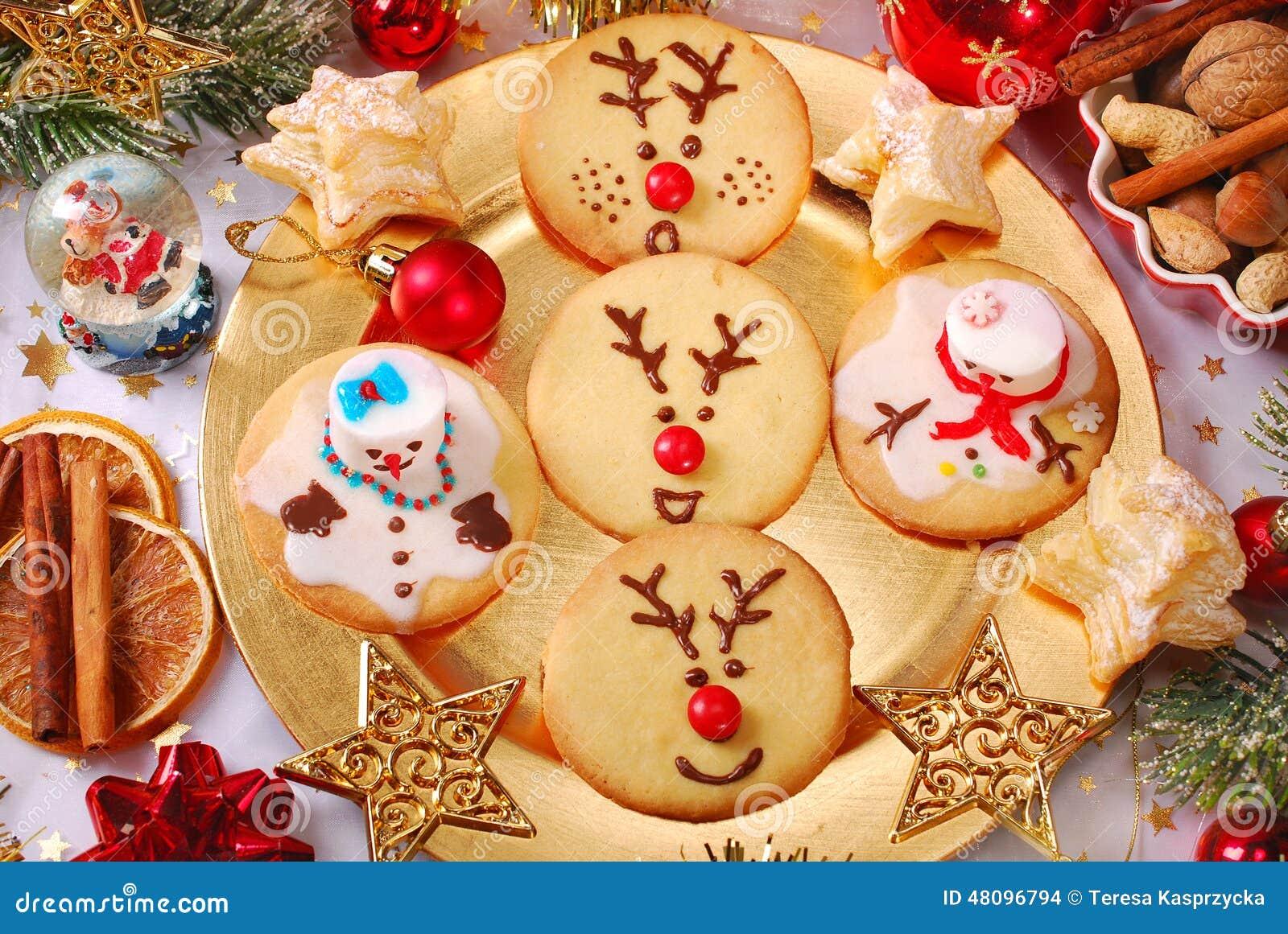 Biscotti Di Natale X Bambini.Biscotti Divertenti Di Natale Fatti Dai Bambini Fotografia Stock