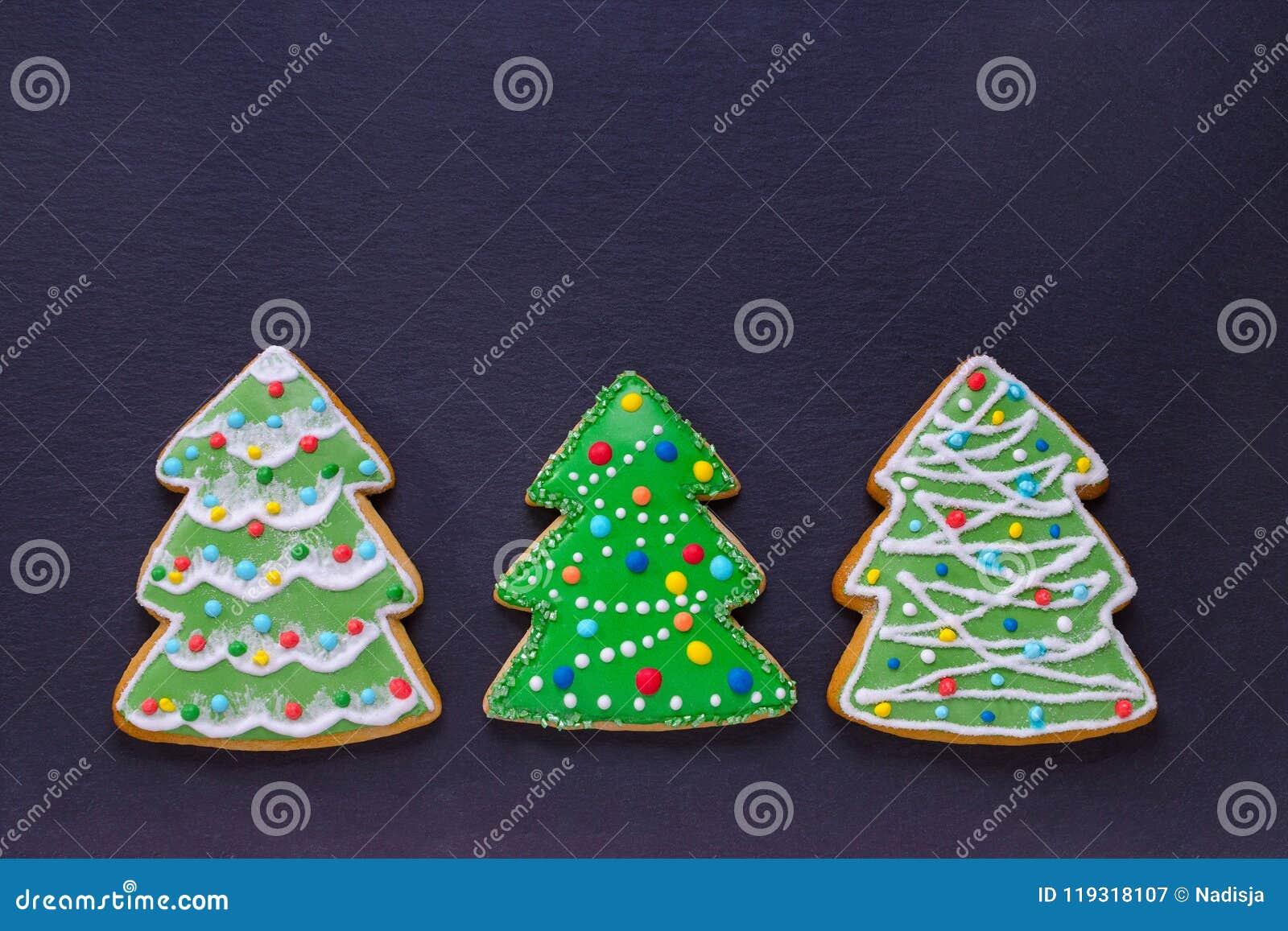 Biscotti Decorati Per Albero Di Natale.Biscotti Fatti A Mano Come Gli Alberi Di Natale Decorati Su Buio Con