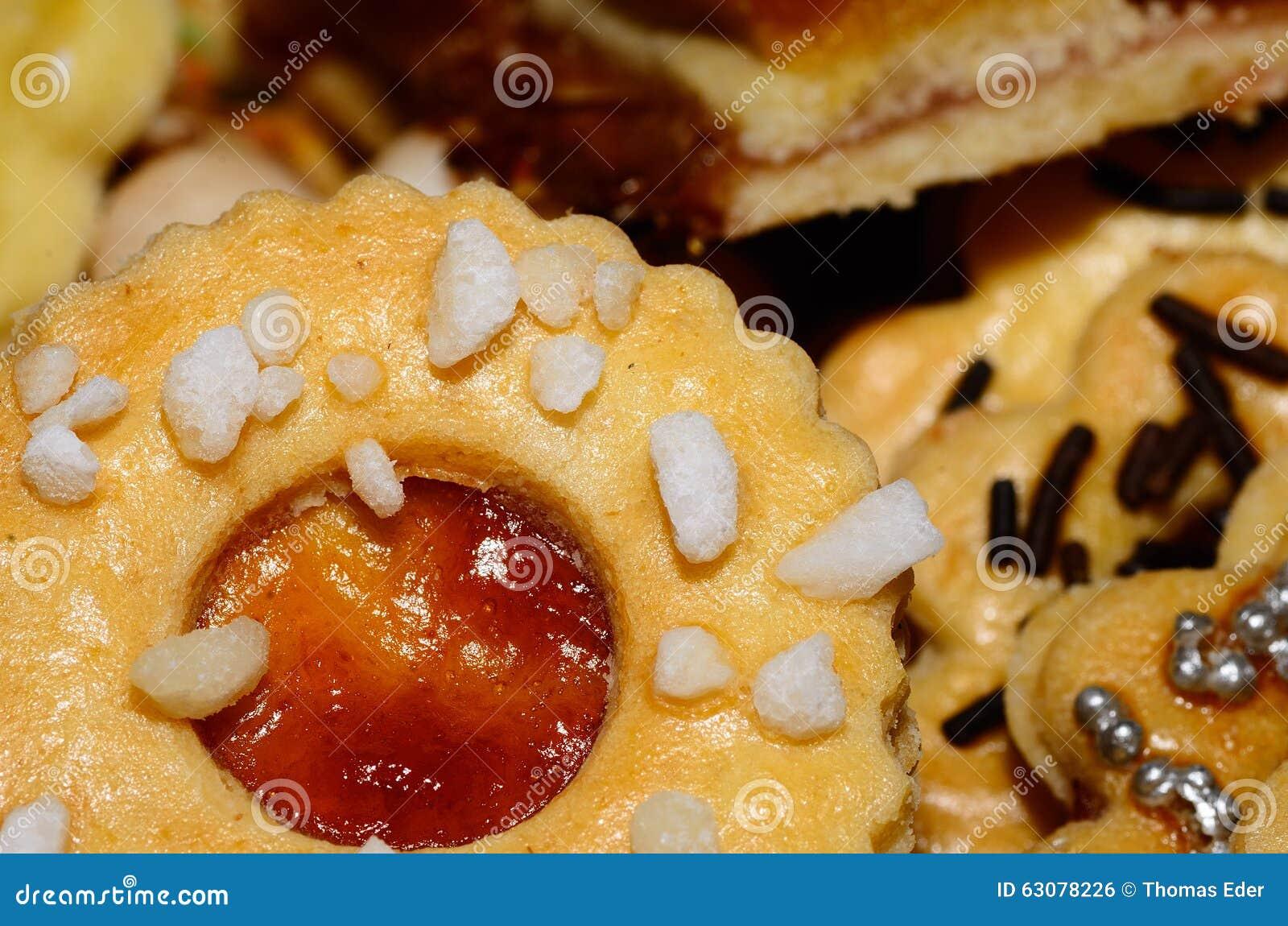 Download Biscuit Avec Des Cubes En Confiture Et En Sucre Photo stock - Image du noël, cadeau: 63078226