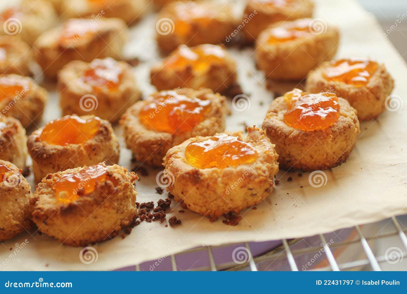 Biscuits avec le bourrage