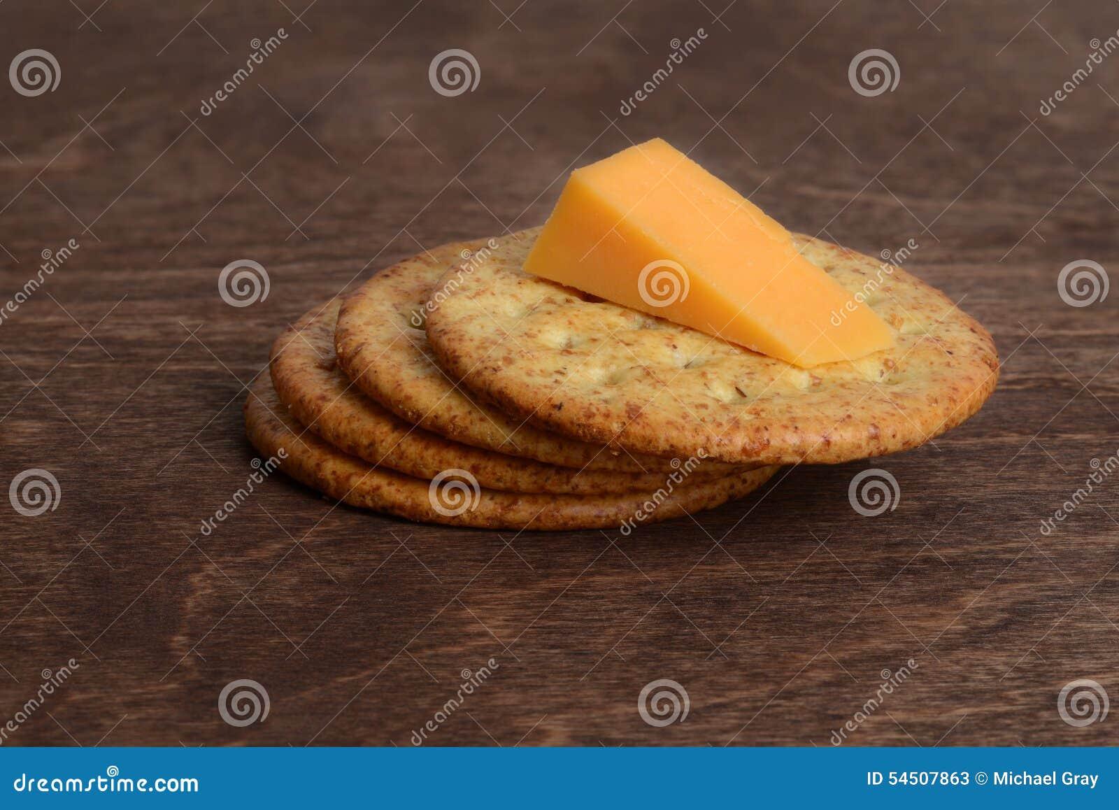 Biscuits de blé avec du fromage de cheddar