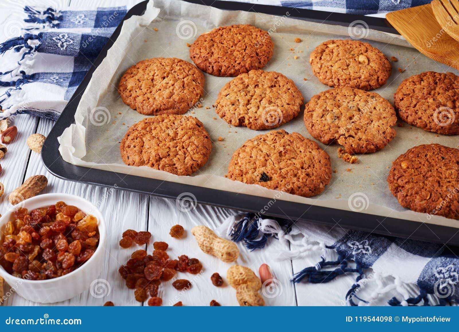 Biscuits de farine d avoine croustillants fraîchement cuits au four, plan rapproché
