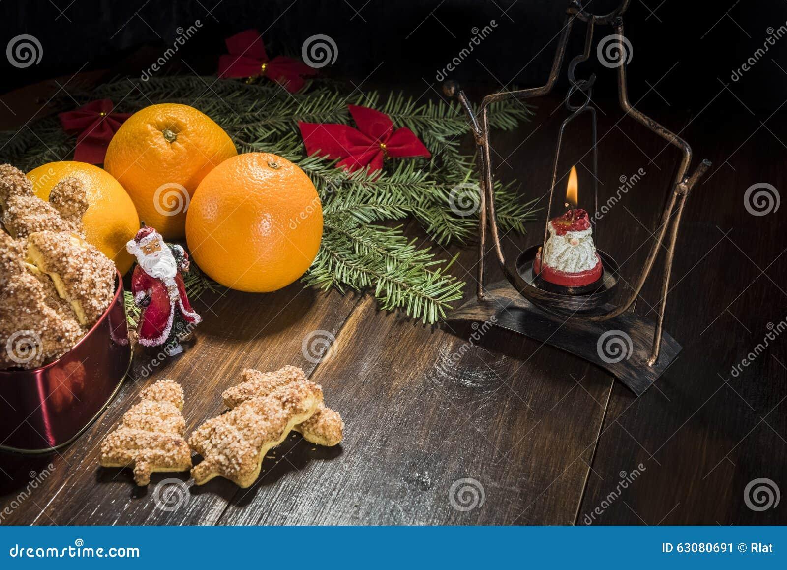 Download Biscuits de Noël et image stock. Image du miettes, bonbons - 63080691