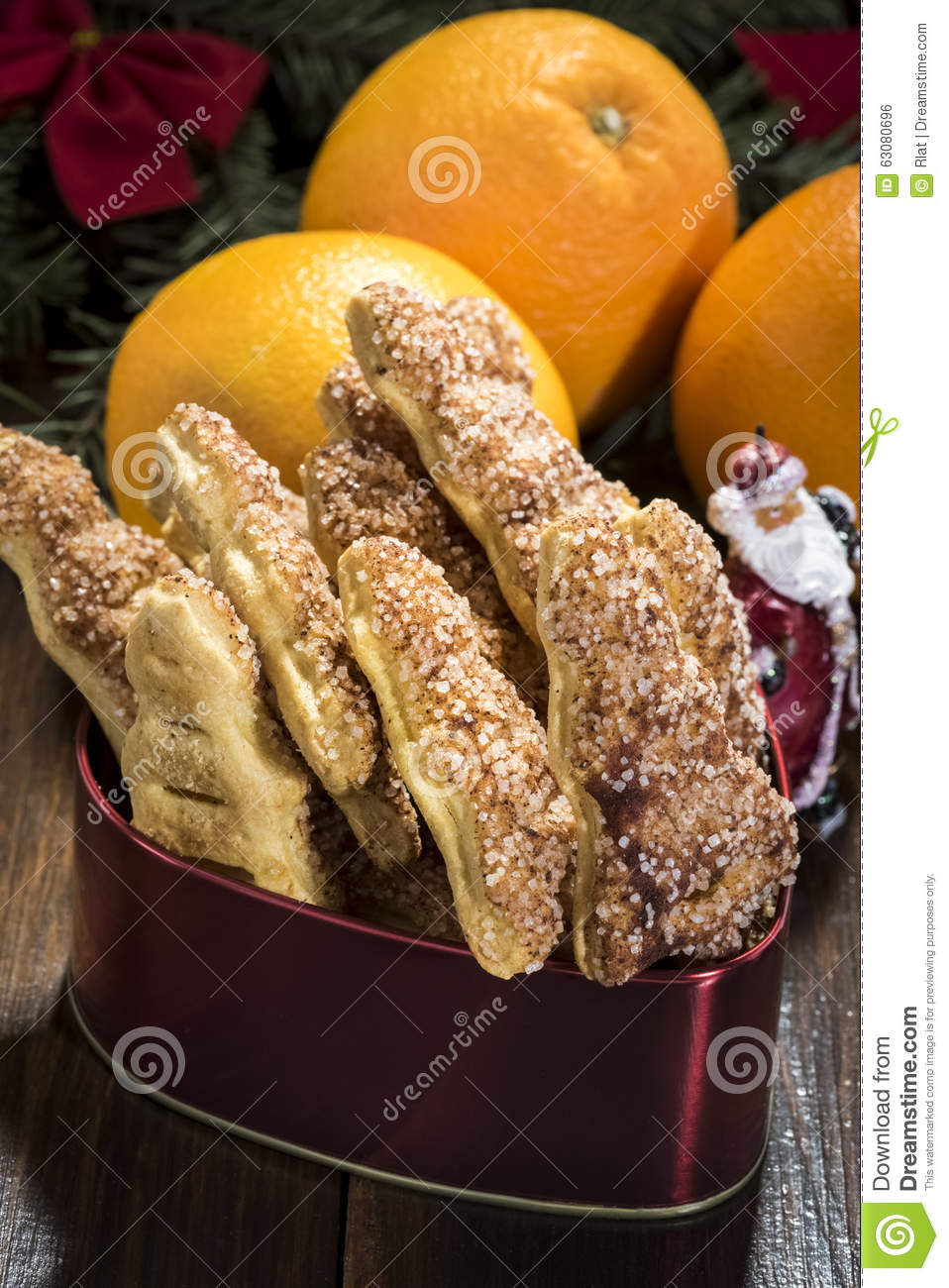 Download Biscuits de Noël et photo stock. Image du tradition, heat - 63080696
