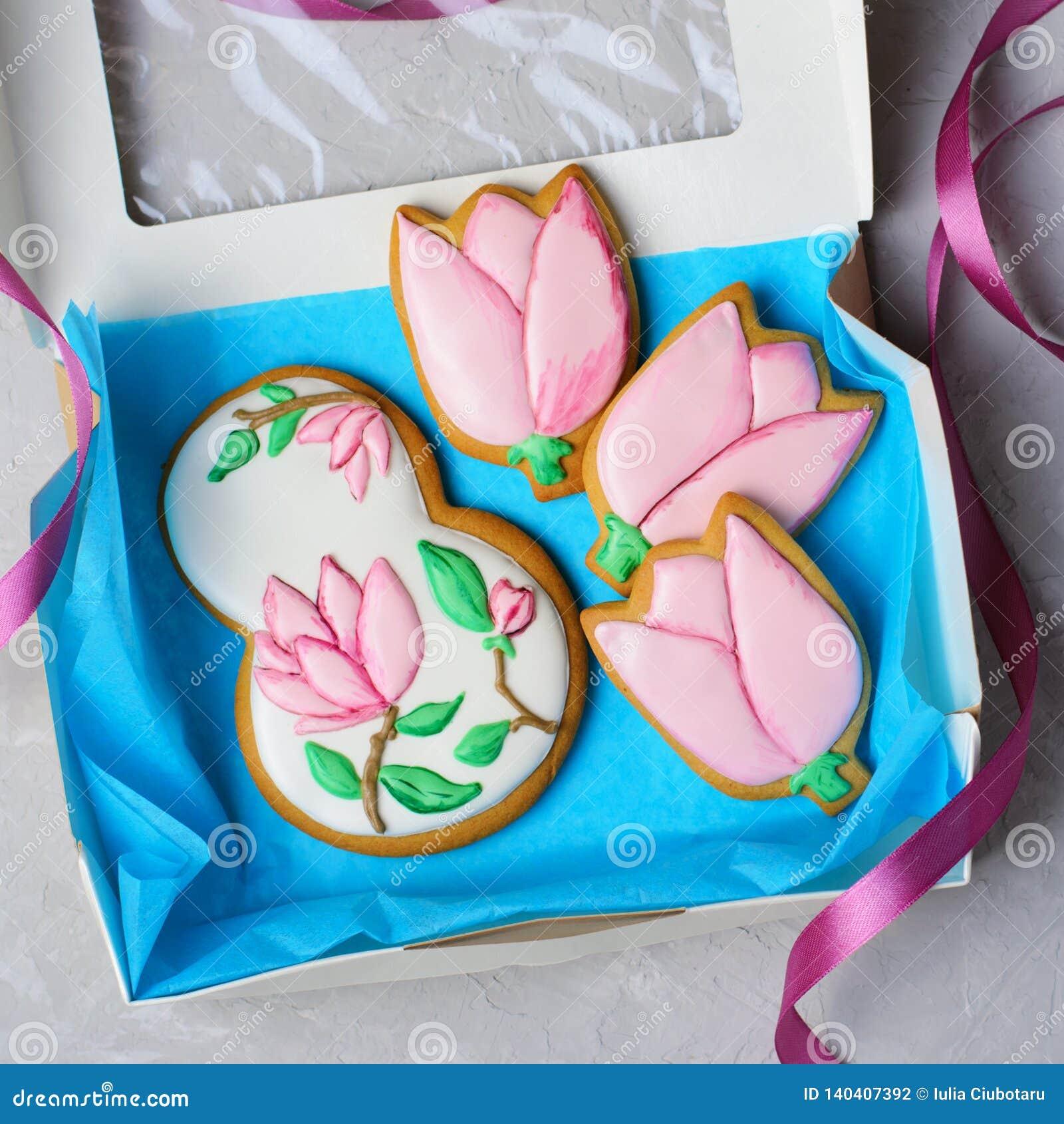 Biscuits de pain d épice pour le 8 mars, le jour des femmes, biscuits faits main avec Sugar Icing