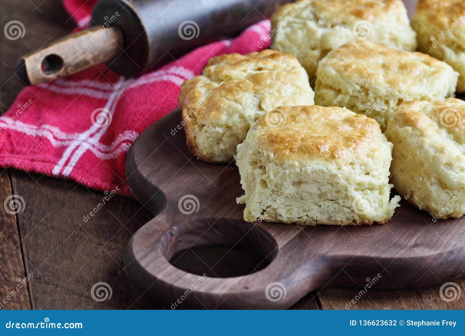 Biscuits du sud cuits au four frais de babeurre