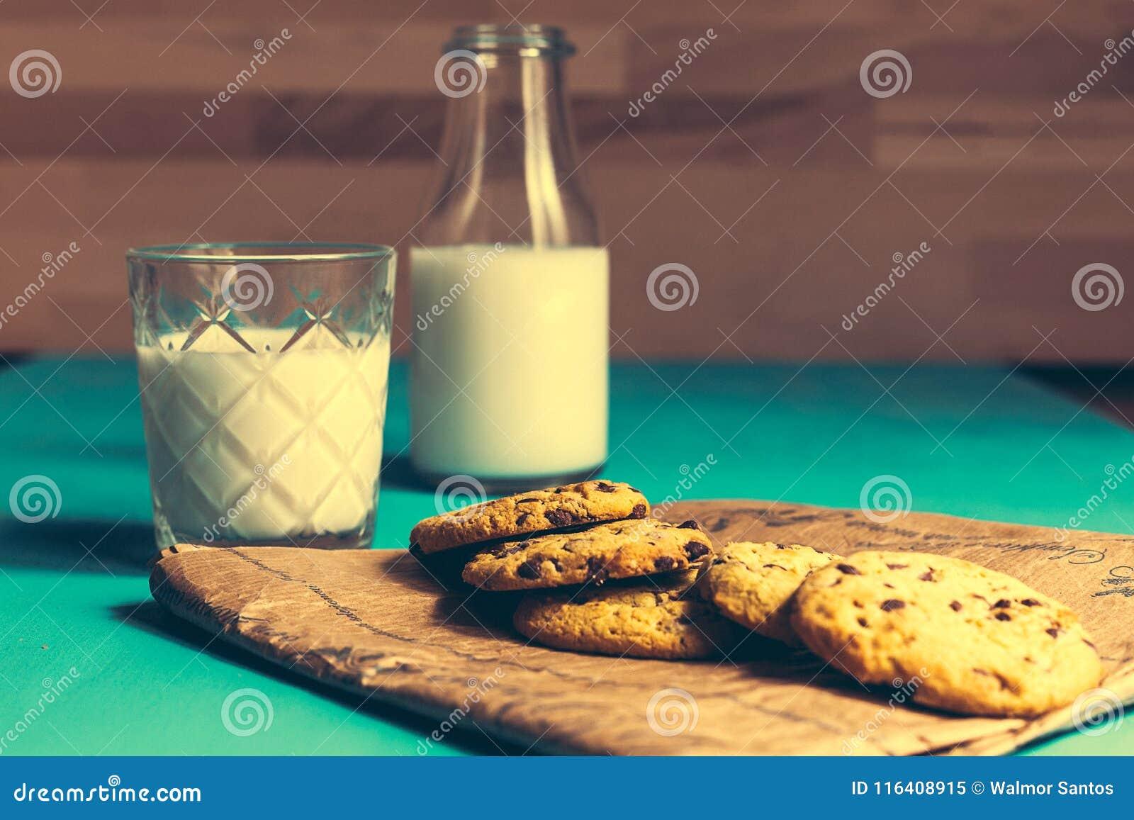 Biscuits et lait de vintage