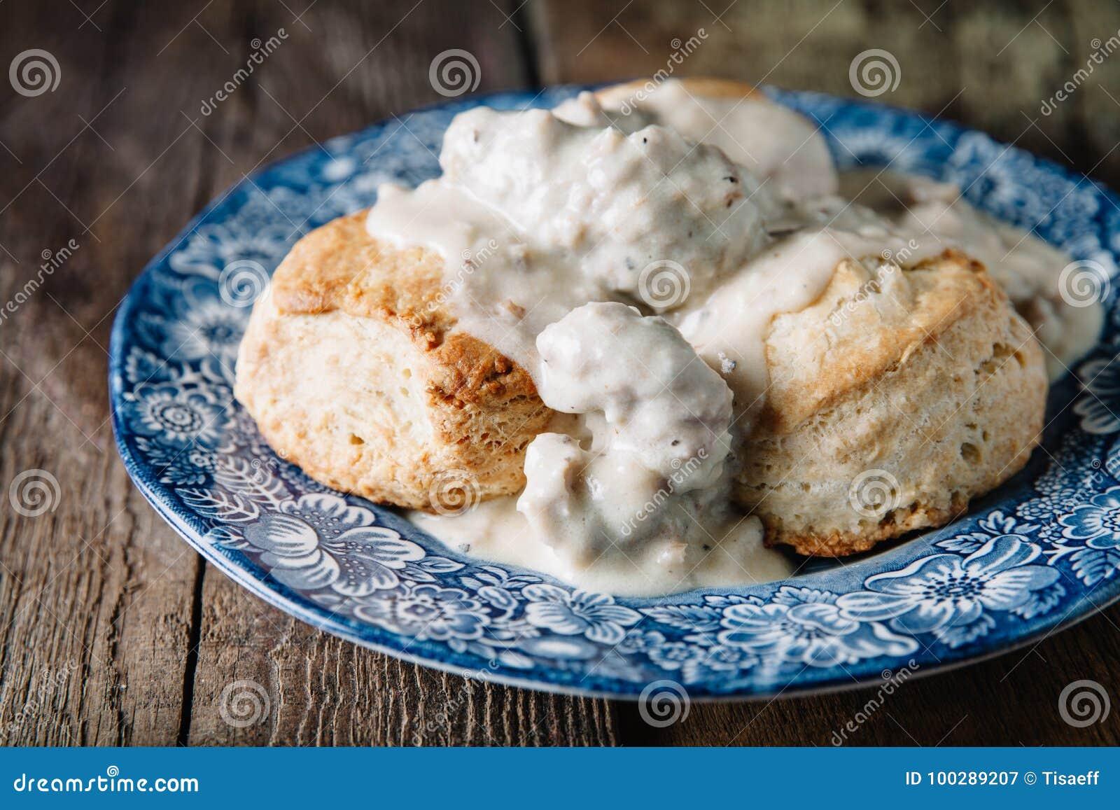 Biscuits et sauce au jus