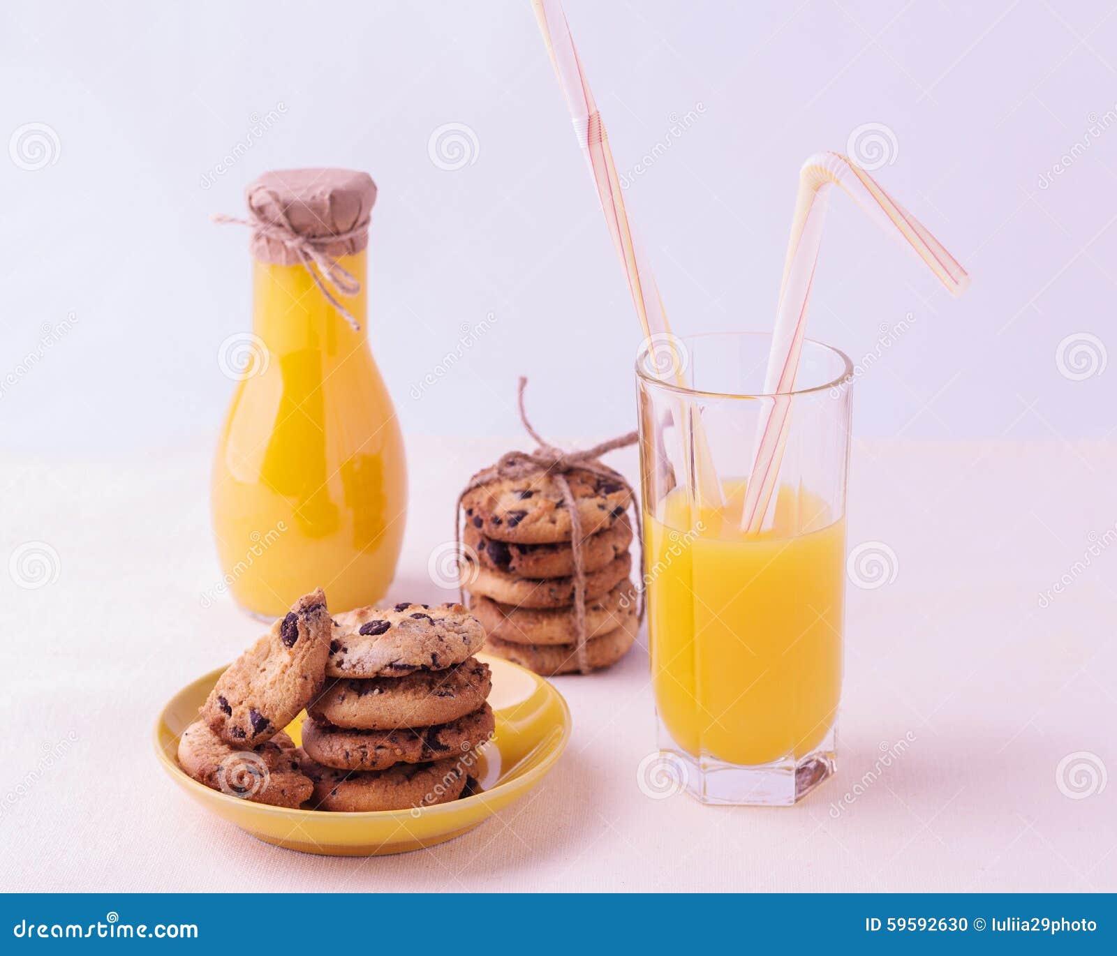 Biscuits Faits Maison Avec Du Chocolat Et Le Jus D Orange Sur A