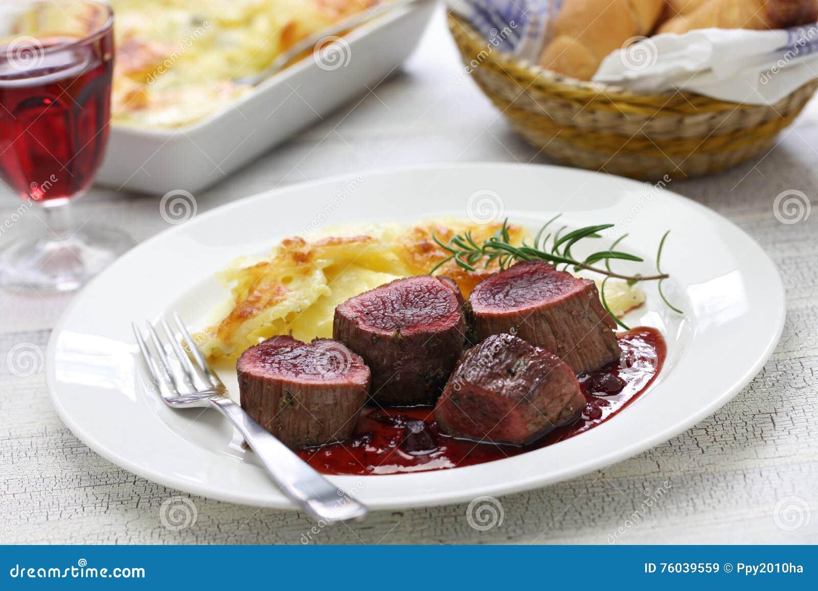 Bistecca della carne di cervo